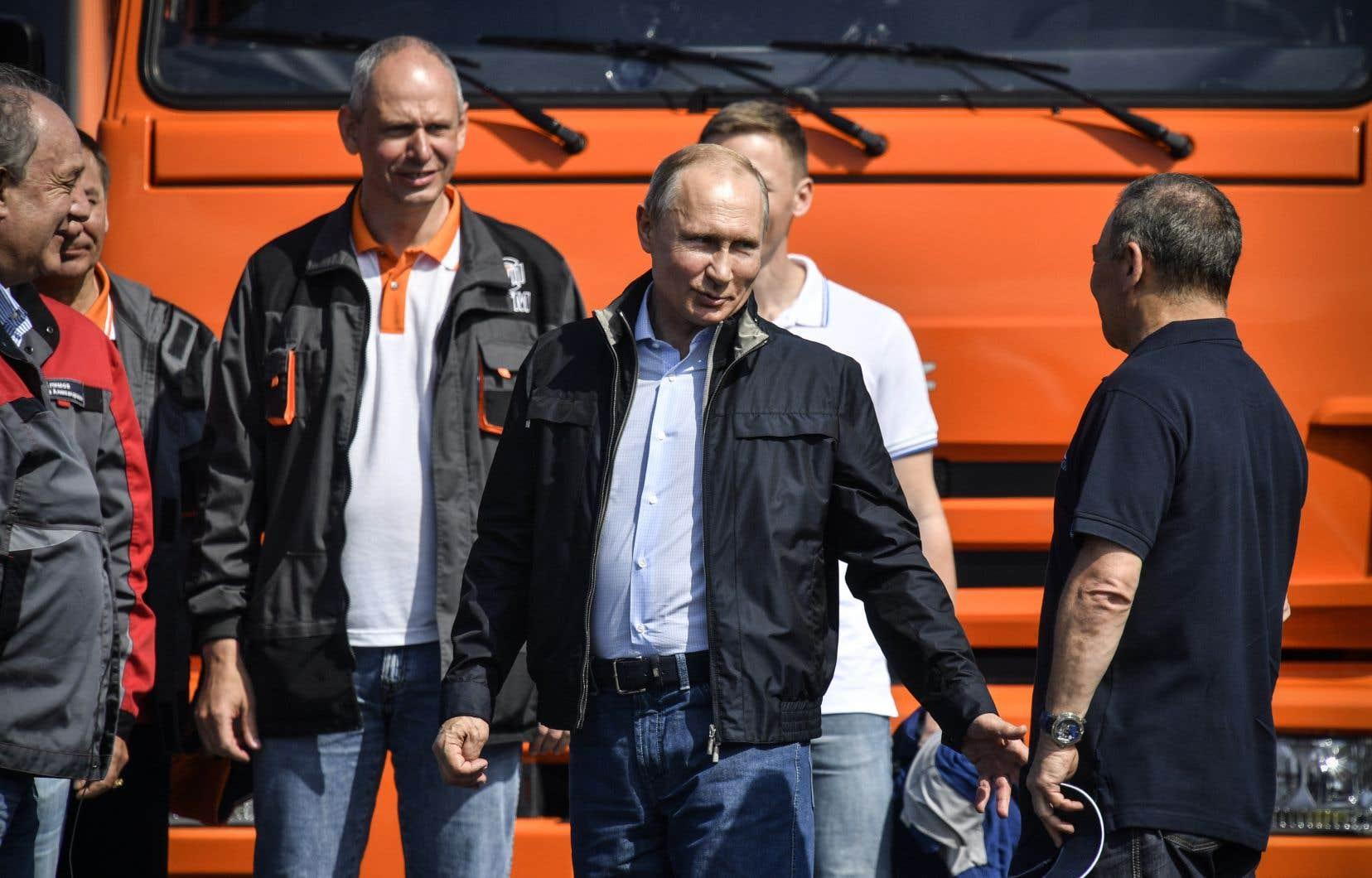 Lancé en février 2016, ce chantier titanesque avait été confié par l'État russe à la société du milliardaire Arkadi Rotenberg, partenaire de judo du président Vladimir Poutine.