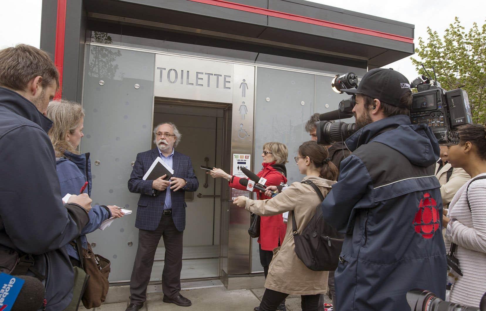 Les douze toilettes sont attendues notamment par les organismes communautaires depuis des années.