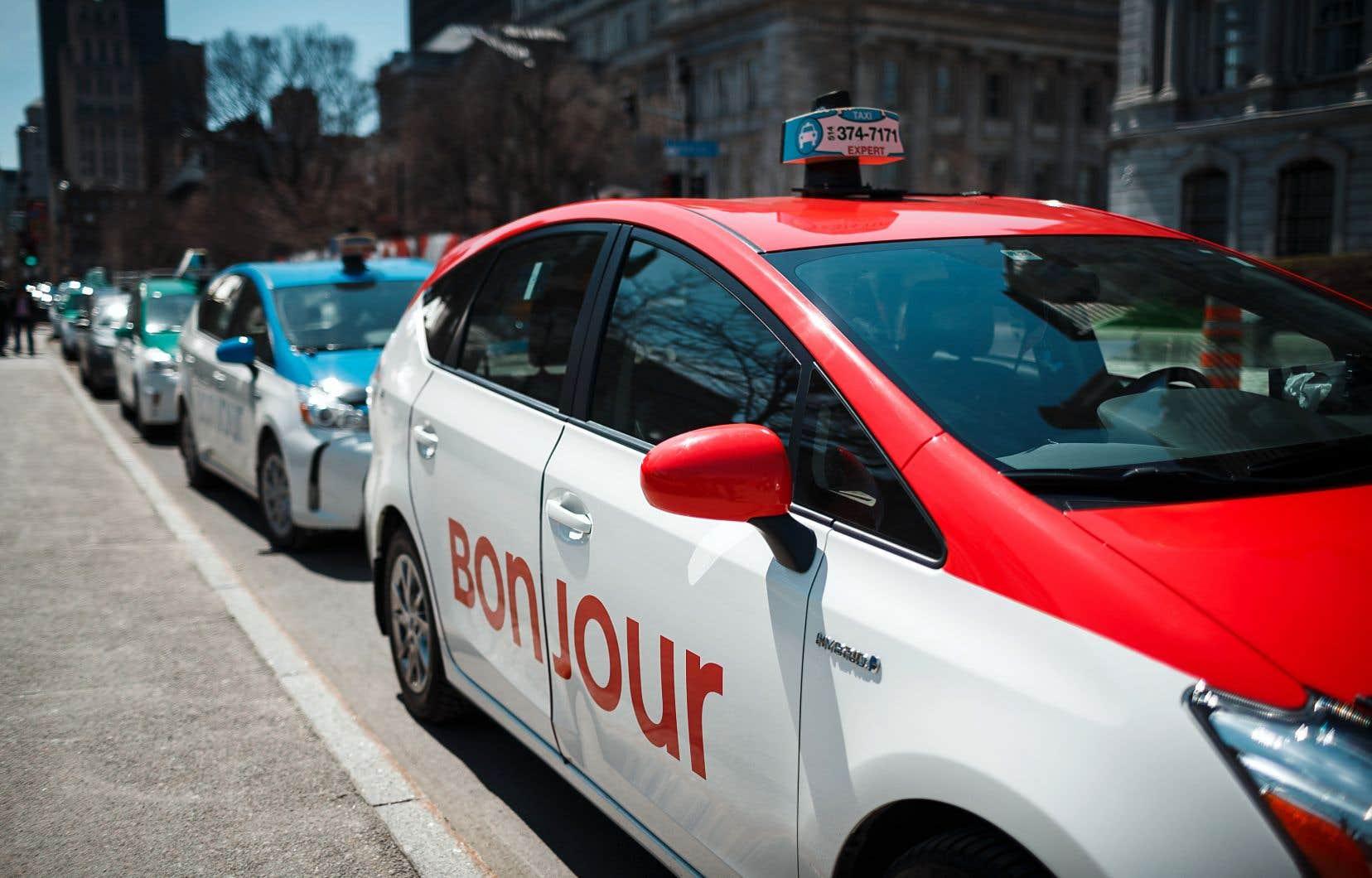 Québec précise que toutes les entreprises de transport de personnes devront équiper leurs voitures de solutions technologiques semblables au MEV.