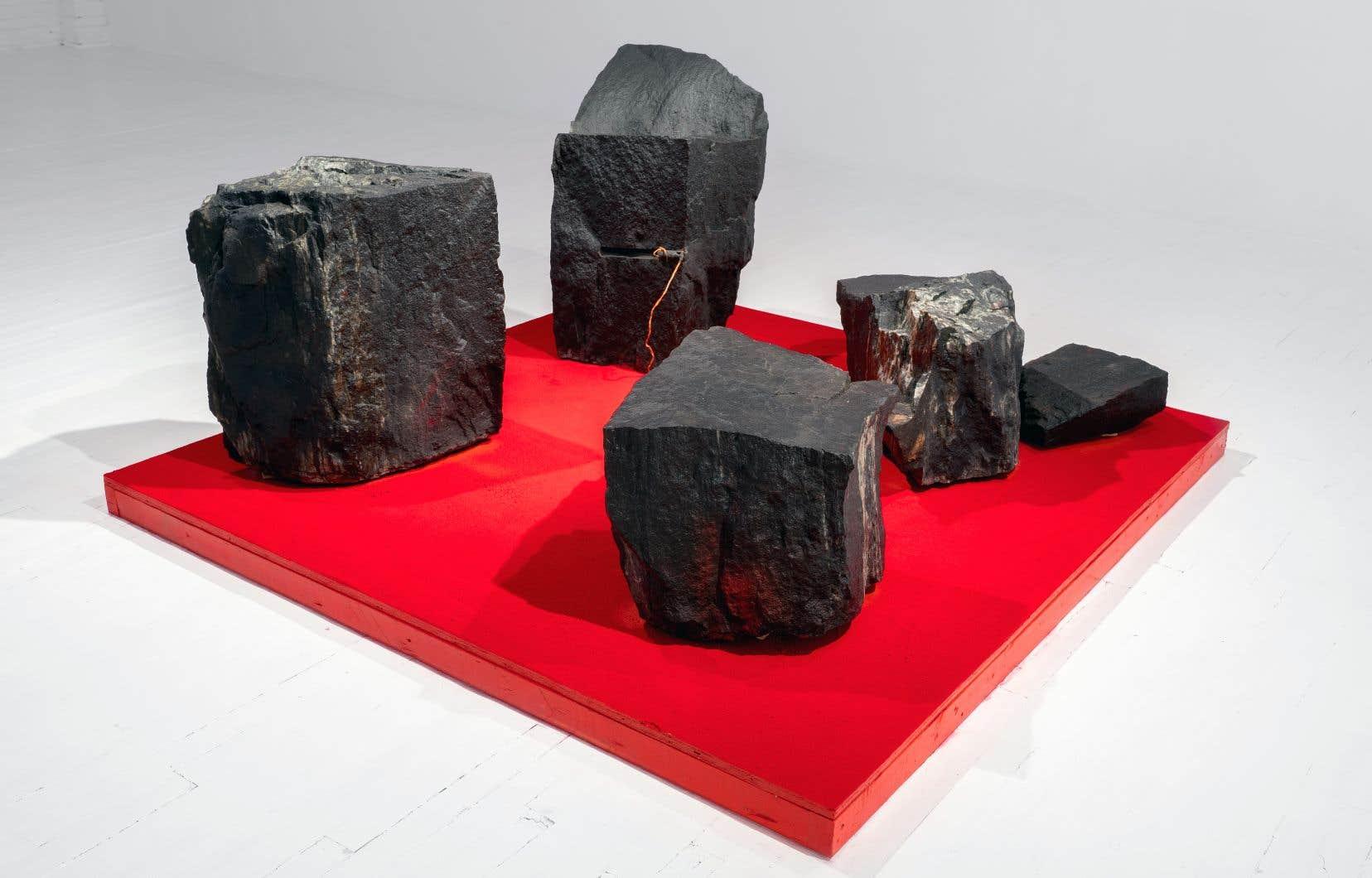 L'oeuvre «Et la pierre irradie le feu. De l'irradiation à l'éclatement» (2015), d'André Fournelle