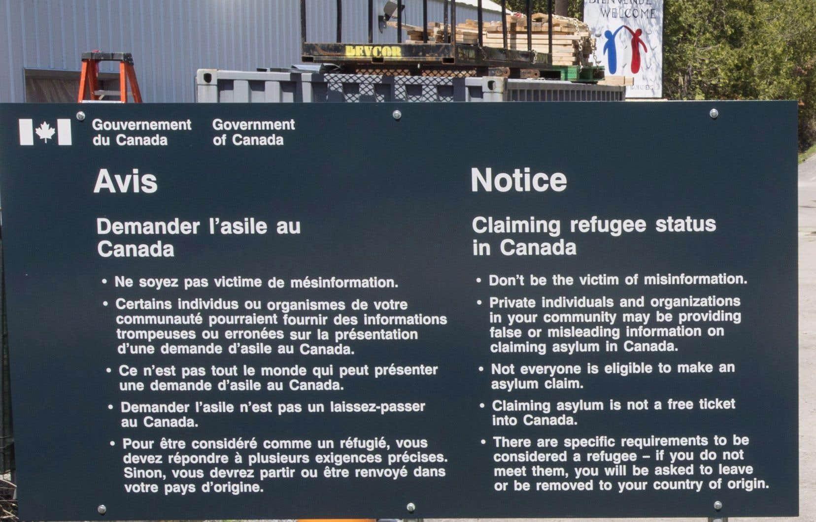 La Gendarmerie royale du Canada a intercepté 7300 demandeurs d'asile au chemin Roxham en plein hiver cette année.