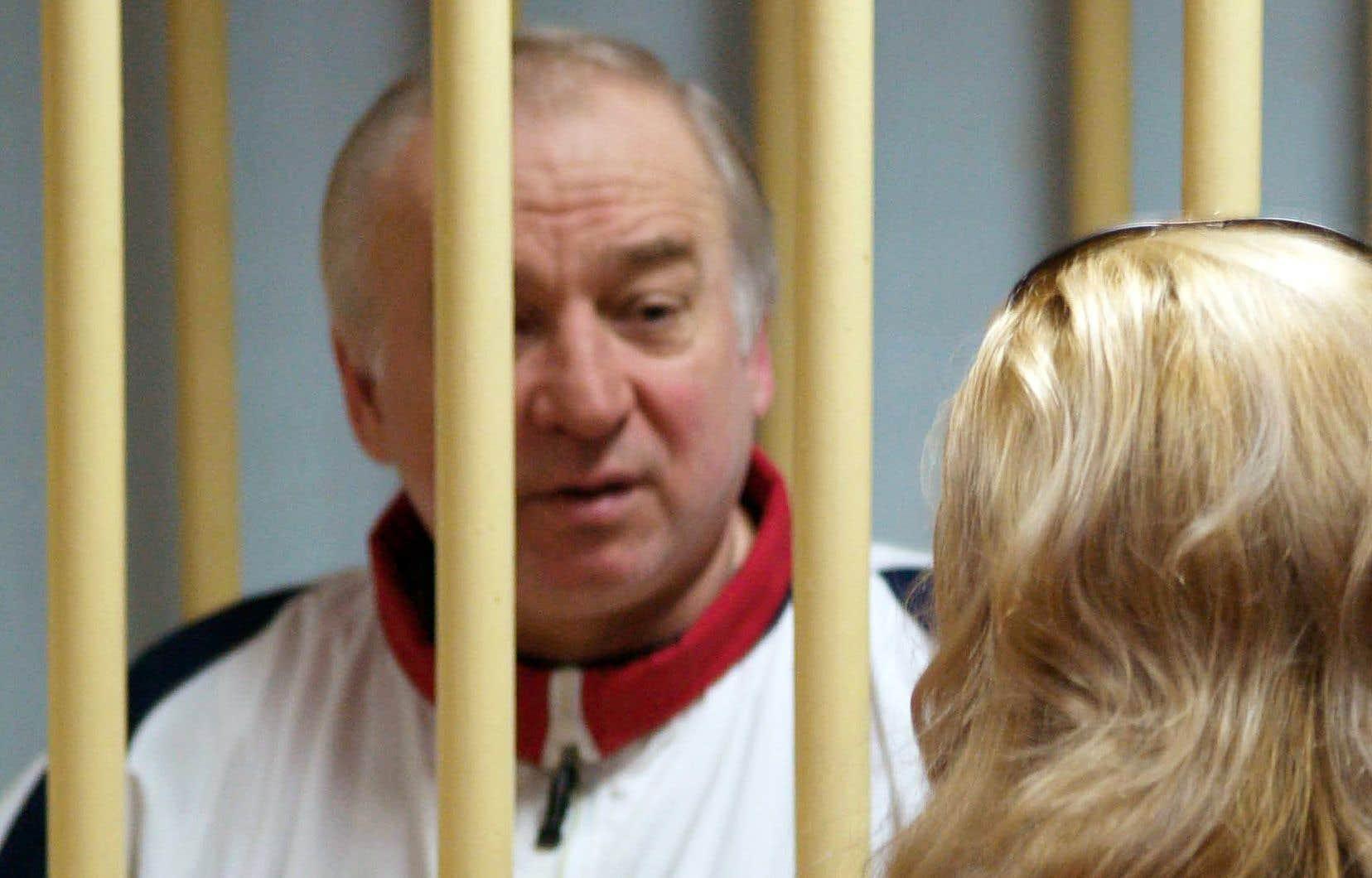 Ancien colonel du service de renseignement de l'armée russe, Sergueï Skripal avait été accusé de «haute trahison» pour avoir vendu des informations au renseignement britannique, et condamné en 2006 à 13ans de prison.