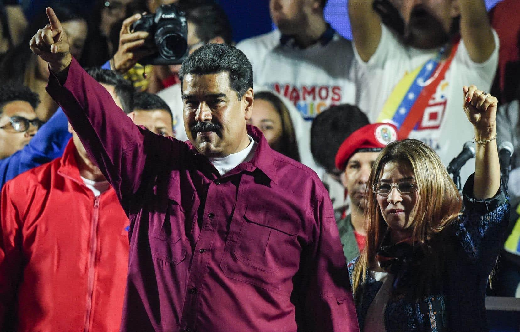 Le président socialiste sortant a remporté près de 70% des voix.
