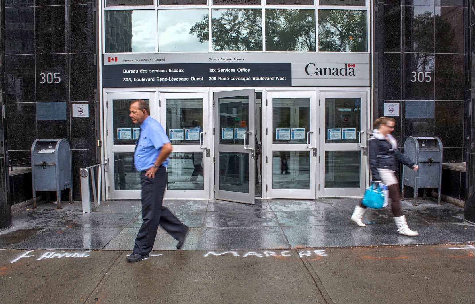 Selon l'auteur, tant l'Agence de revenu du Canada que Revenu Québec vont certainement résister bec et ongles aux velléités des élus de les saborder au profit de l'autre.