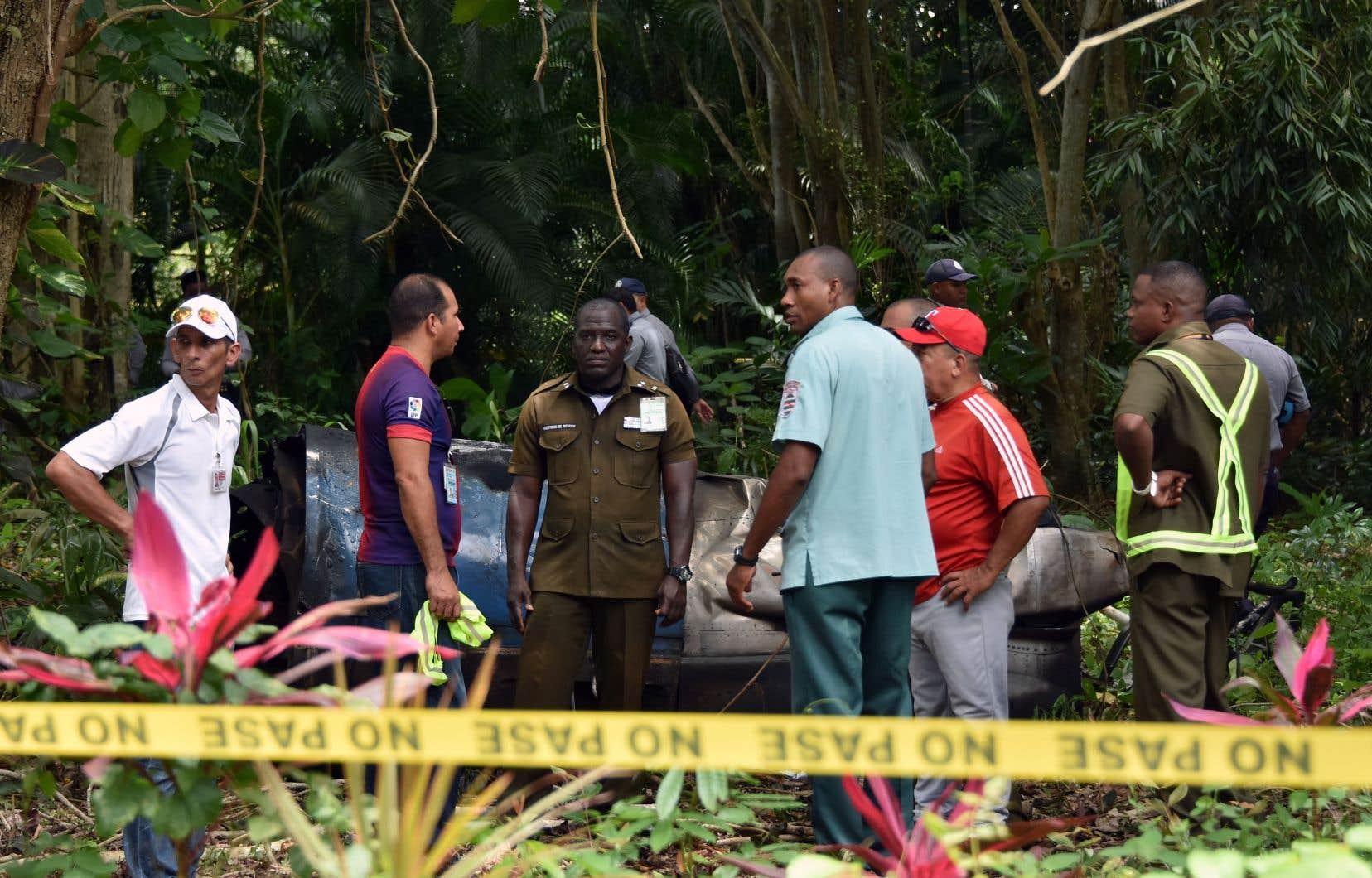 Le Boeing 737-200 s'est écrasé vendredi dans une zone de cultures peu après avoir décollé de l'aéroport international Jose Marti de LaHavane.