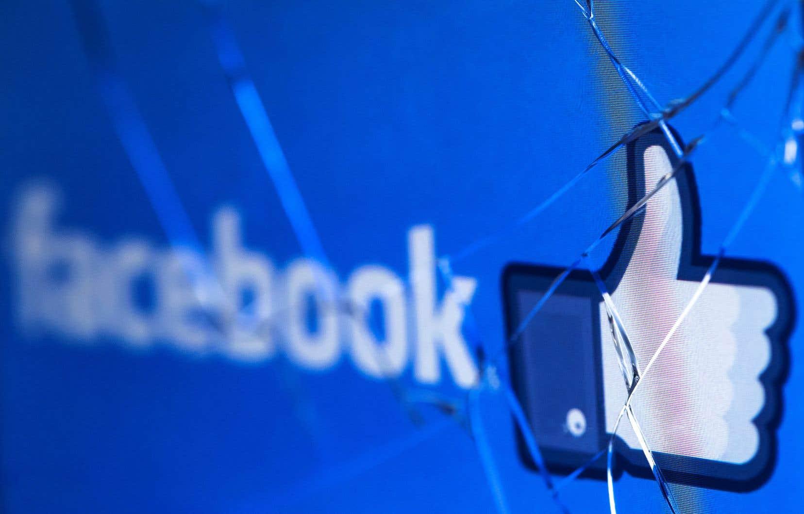 Facebook reste sous le feu des critiques depuis l'éclatement mi-mars du scandale retentissant Cambridge Analytica.