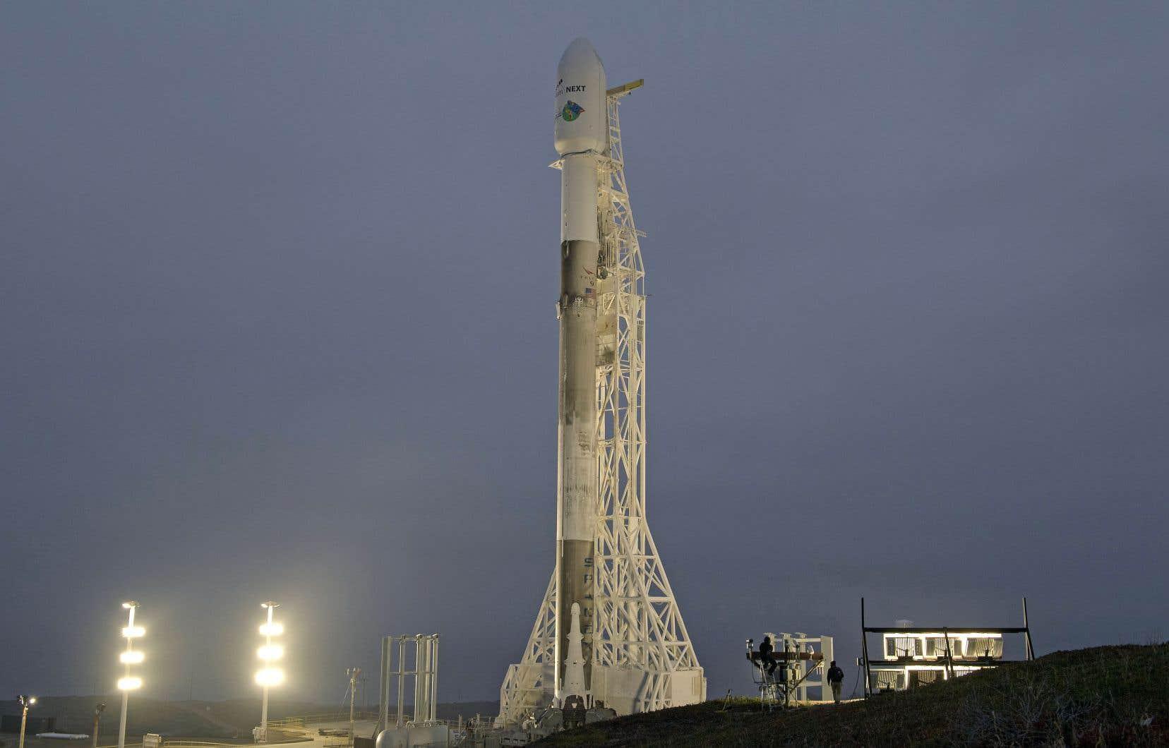 La fusée réutilisable Falcon 9 a décollé sans problème de la base militaire de Vandenberg en Californie, avec à son bord le précieux chargement de la paire de satellites.