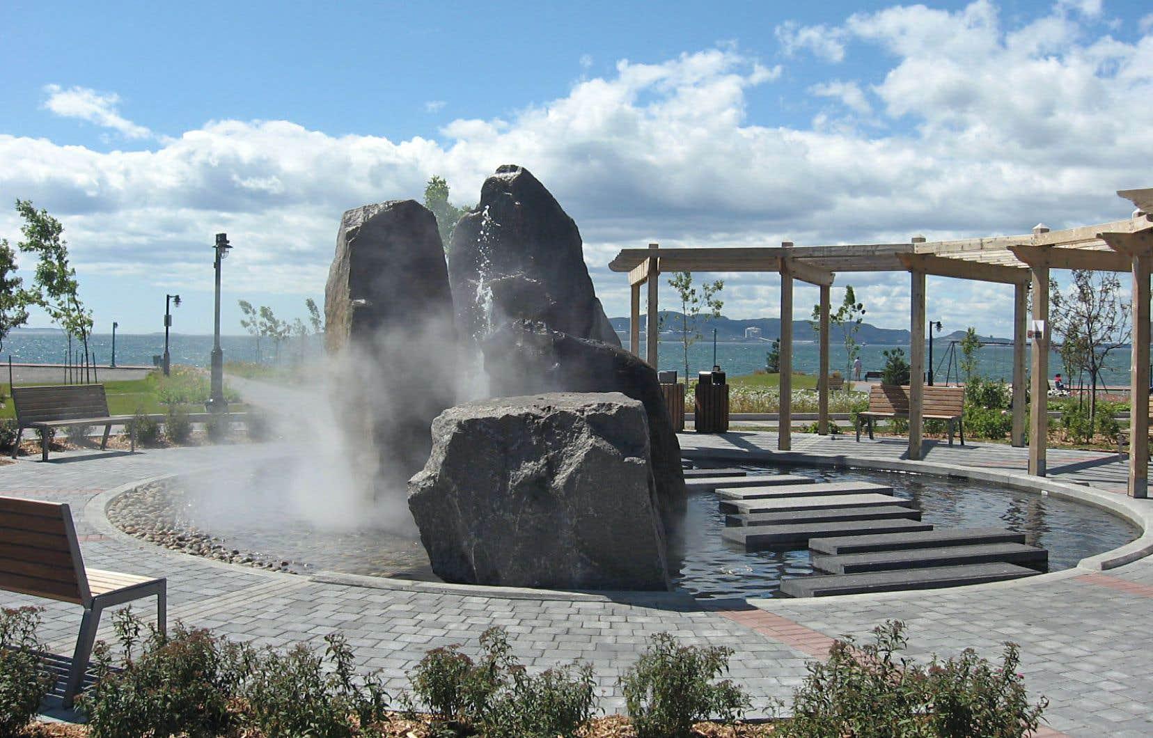 La fontaine du parc du Vieux-Quai, à Sept-Îles
