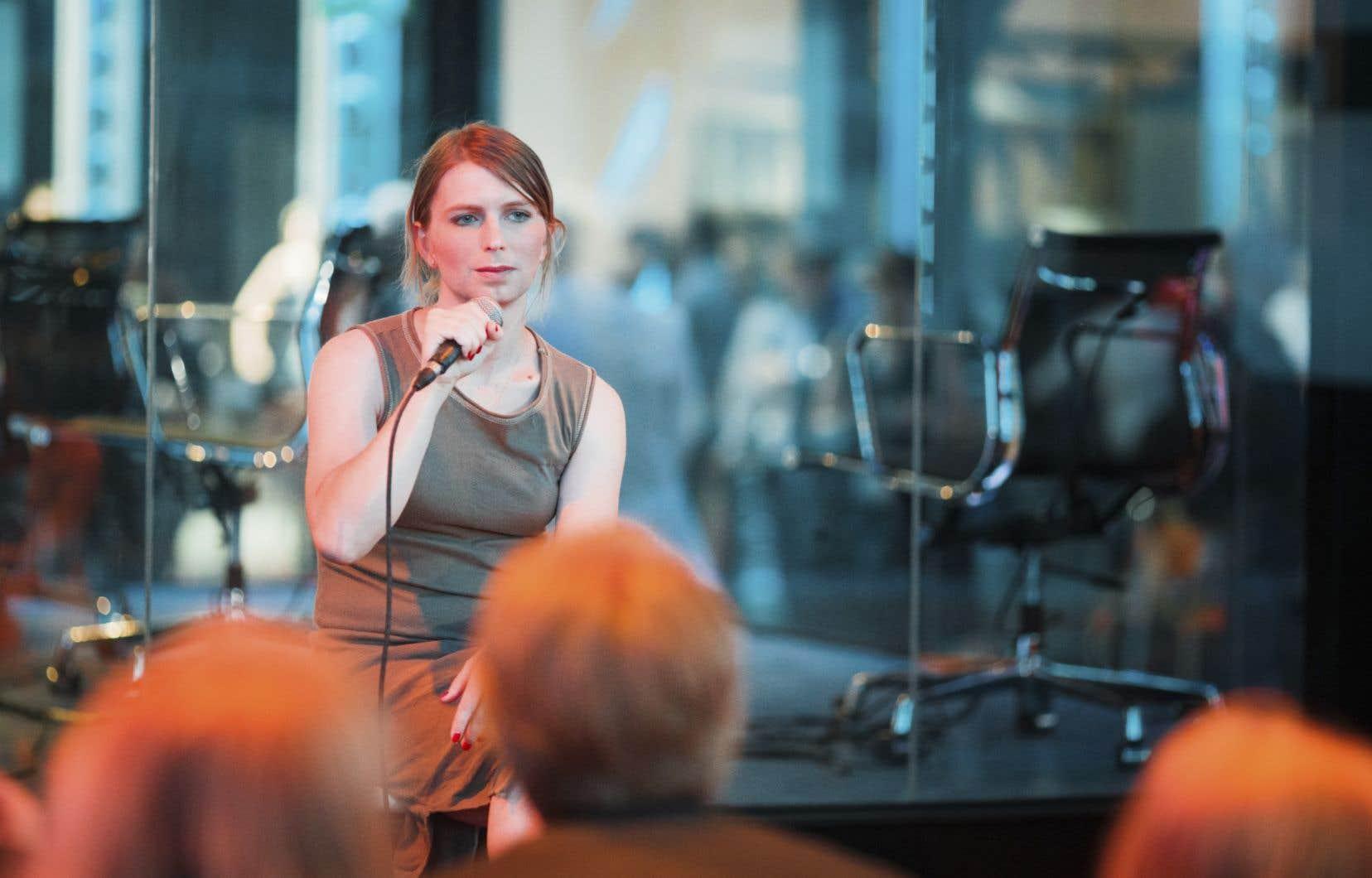 L'ancienne analyste militaire américaine Chelsea Manning a répondu aux questions des médias, vendredi, dans le cadre de C2 Montréal.