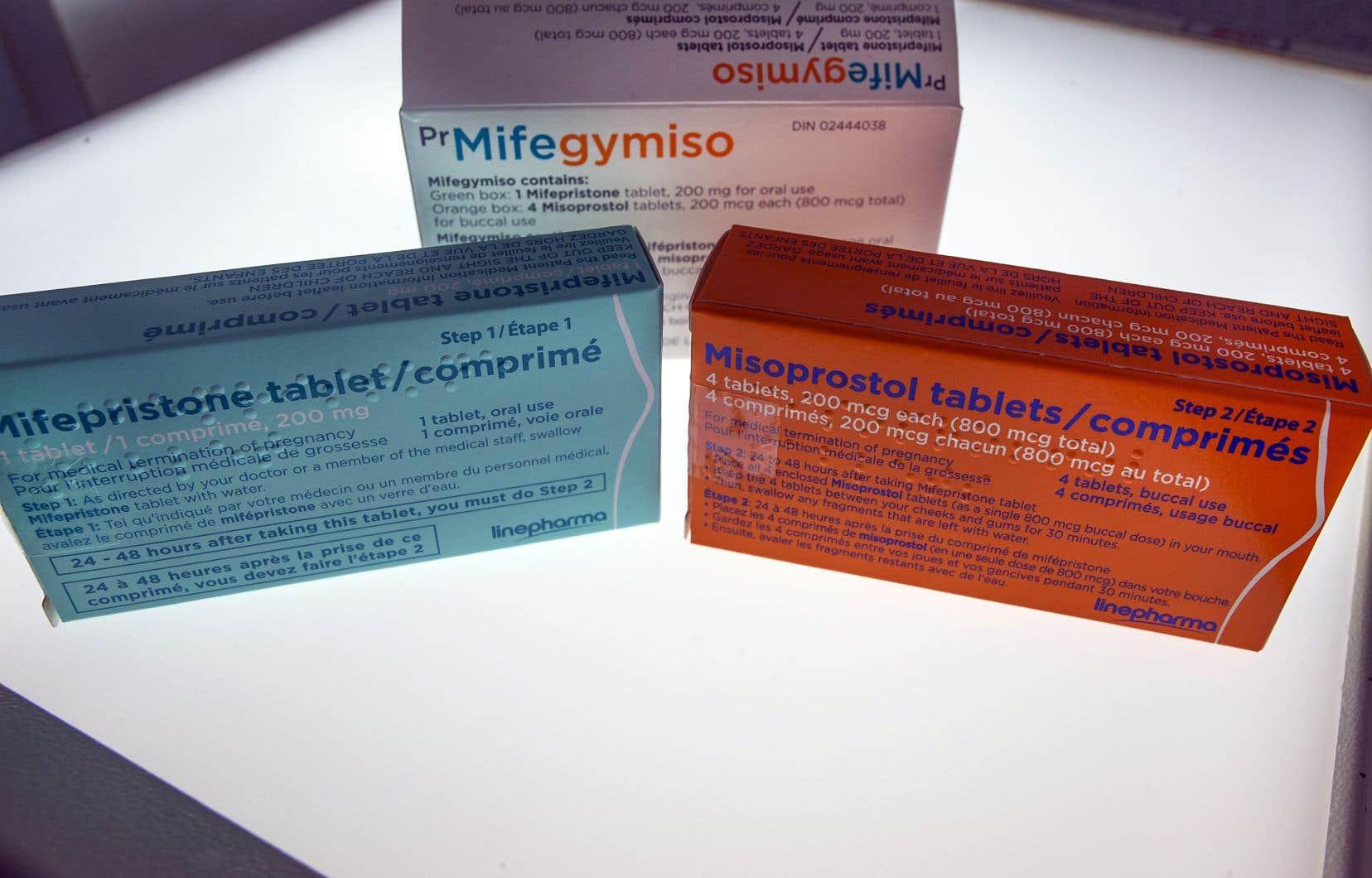 Le Collège des médecinsn'exigera pas des médecins qui veulent prescrire le Mifegymiso qu'ils soient également formés pour pratiquer des avortements chirurgicaux.