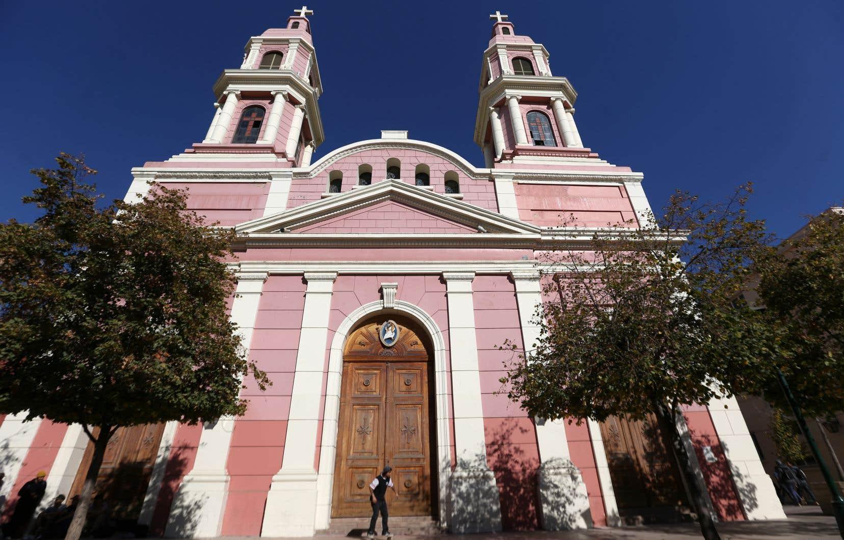 Plus tôt cette semaine, l'évêché de la ville chilienne de Rancagua a annoncé la suspension de 14 prêtres impliqués dans un nouveau scandale d'abus sexuels.