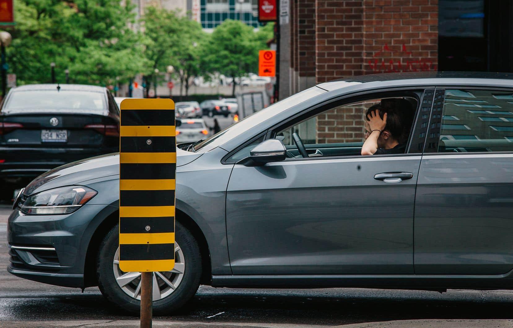 Au Québec, seulement 14% des travailleurs se déplaçant en voiture optent pour le covoiturage. Énormément d'automobilistes transitent seuls dans leur véhicule.
