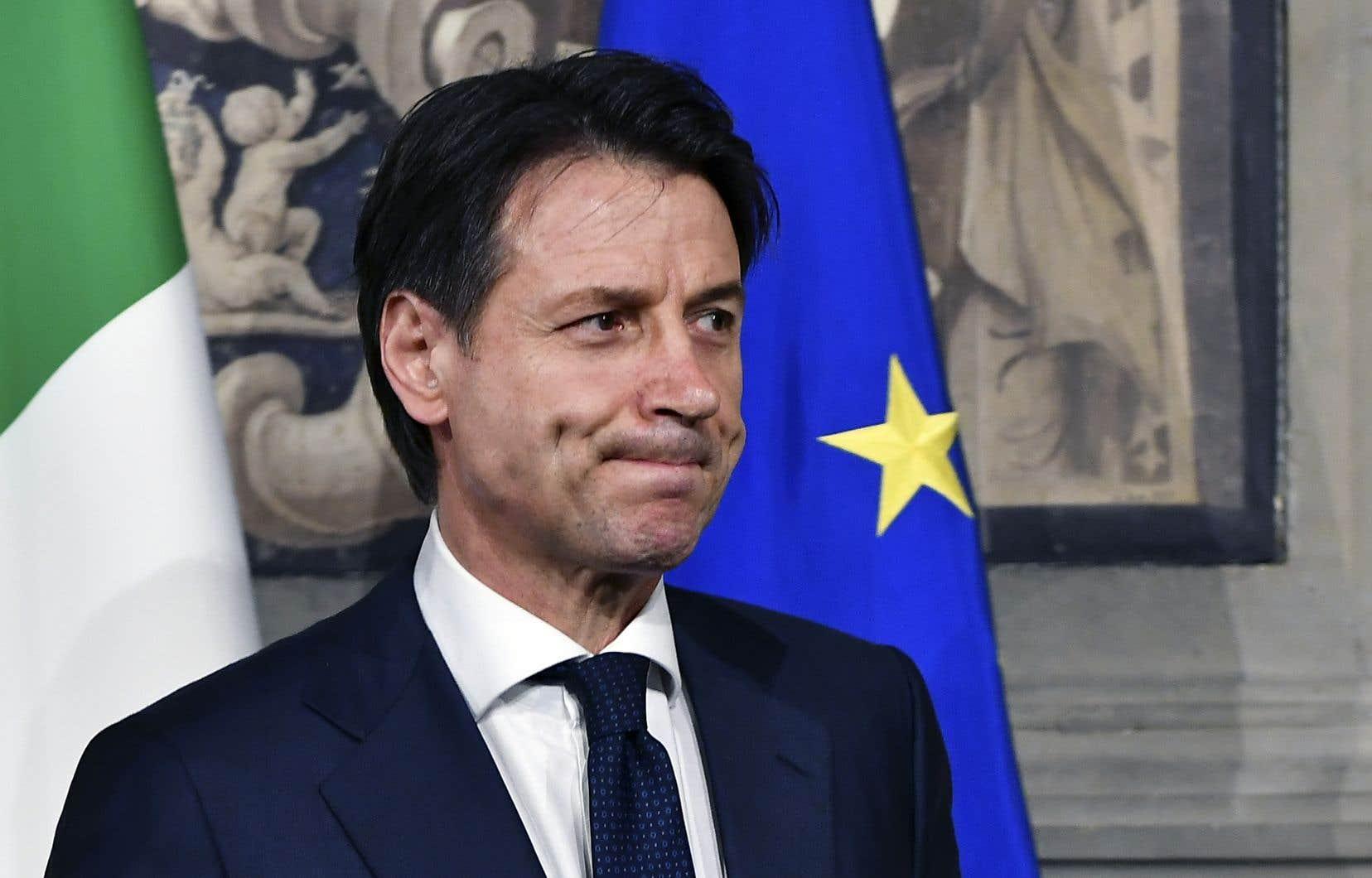Le chef désigné du gouvernement italien, Giuseppe Conte, a renoncé dimanche soir à être premier ministre.