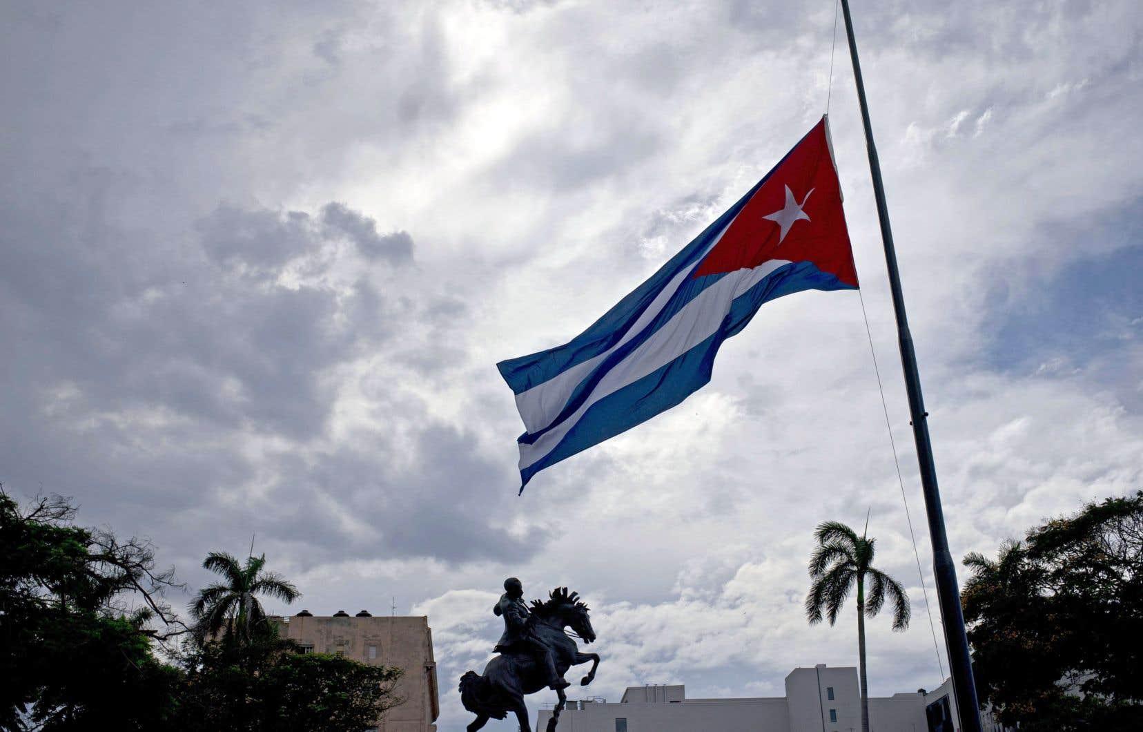 Le gouvernement a indiqué que les réformes prévues ne modifieront pas le caractère «irrévocable du socialisme» cubain.