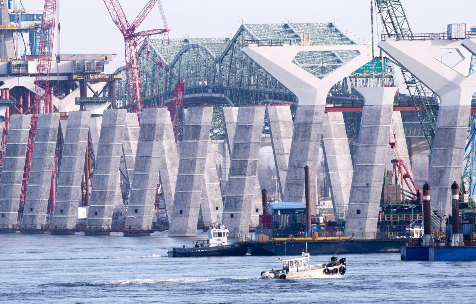 La construction du nouveau pont Champlain coûtera plus cher que prévu et ne sera pas terminée à temps, estime le vérificateur général du Canada.