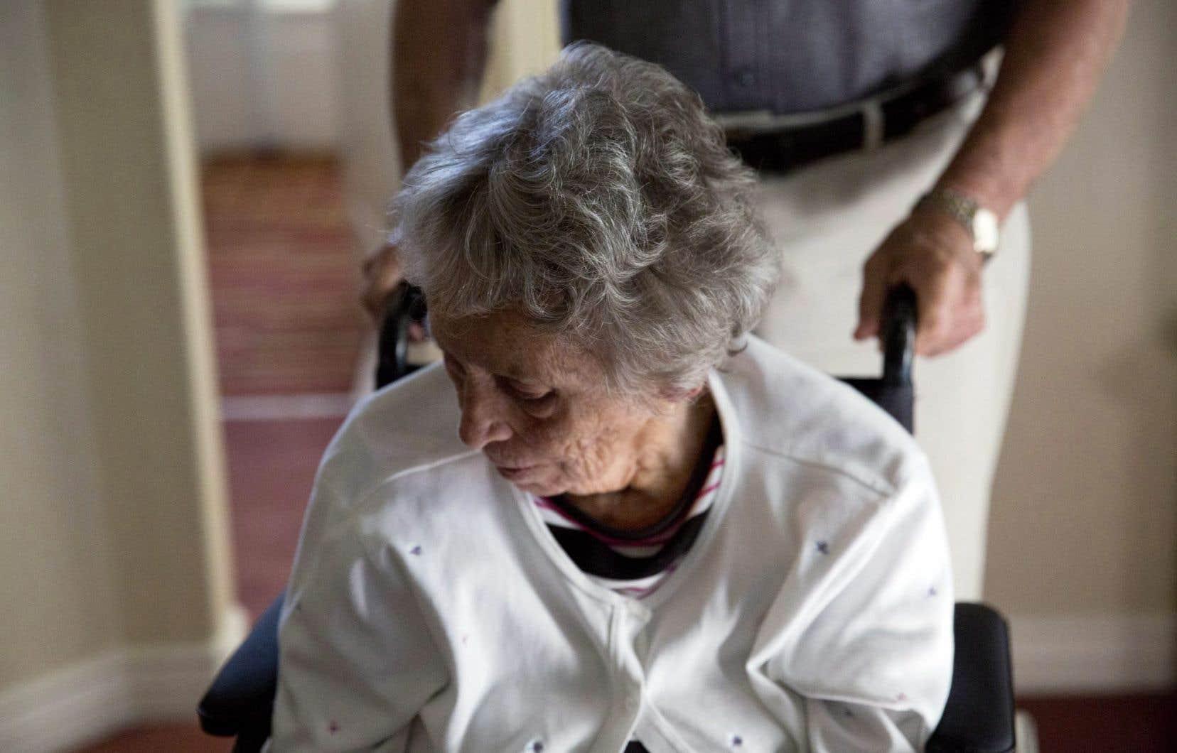 Une équipe de chercheurs de l'Université de Montréal a découvert ce qui pourrait être la cause de la forme la plus courante de la maladie d'Alzheimer.