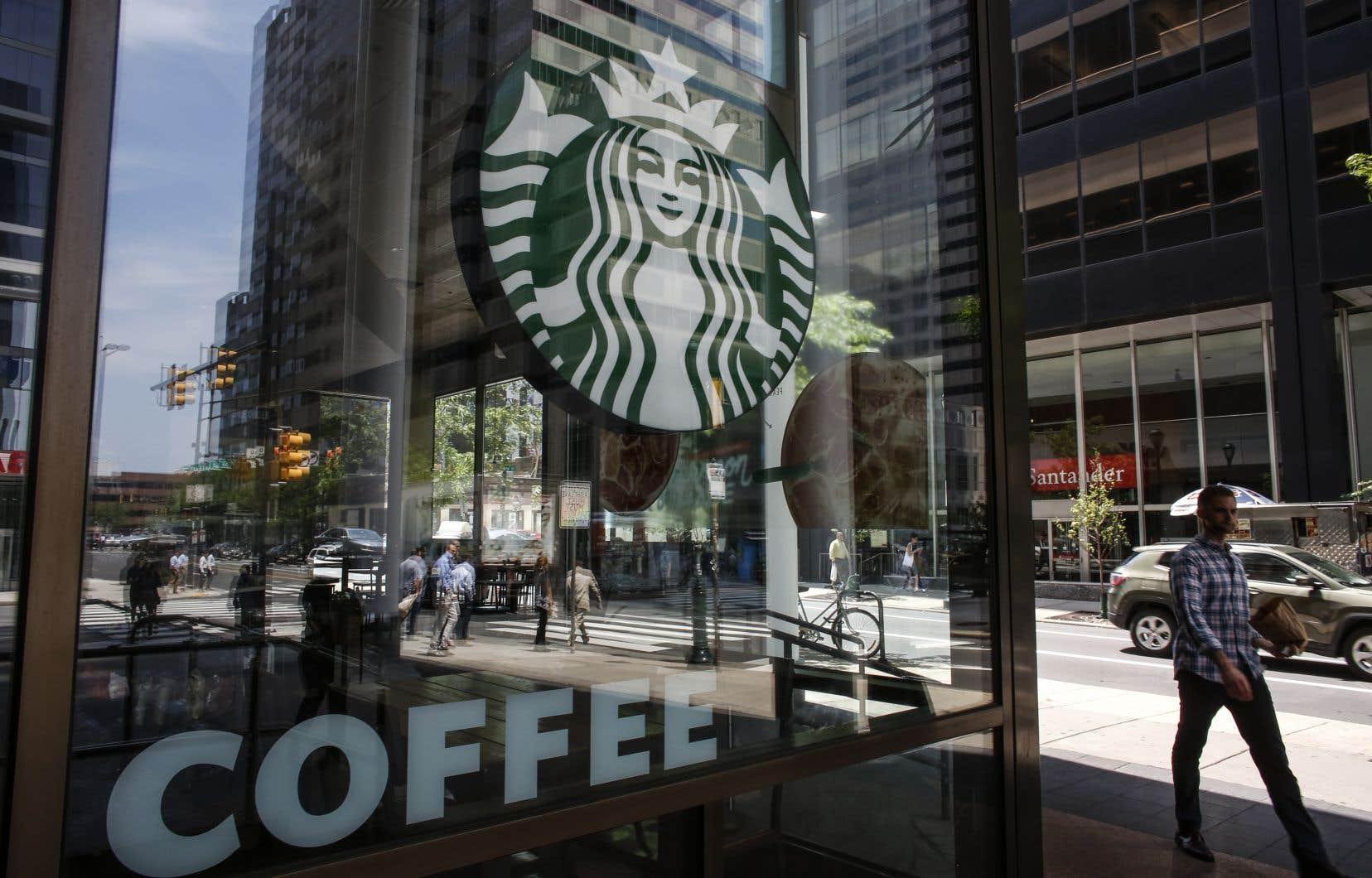 L'initiative de Starbucks doit mobiliser, quatre heures durant, quelque 175 000 employés.
