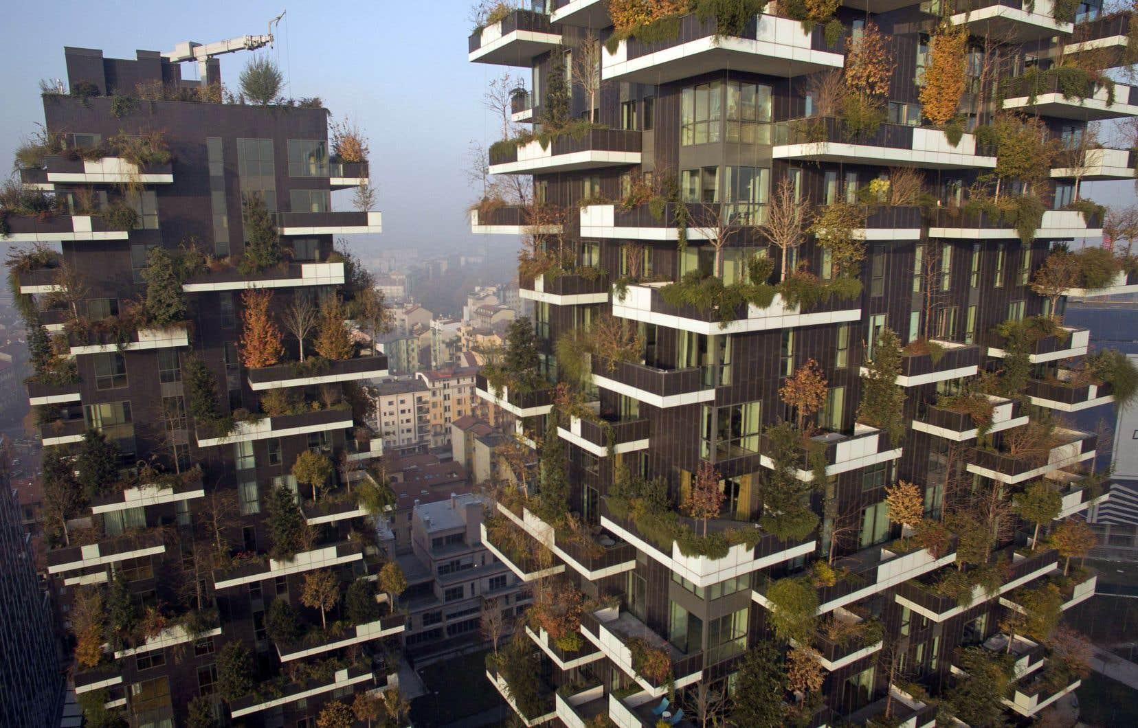 Les réalisateurs sont notamment allés rencontrer, à Milan, un architecte constructeur de «forêts verticales», des gratte-ciel entourés d'arbres jusqu'au ciel.