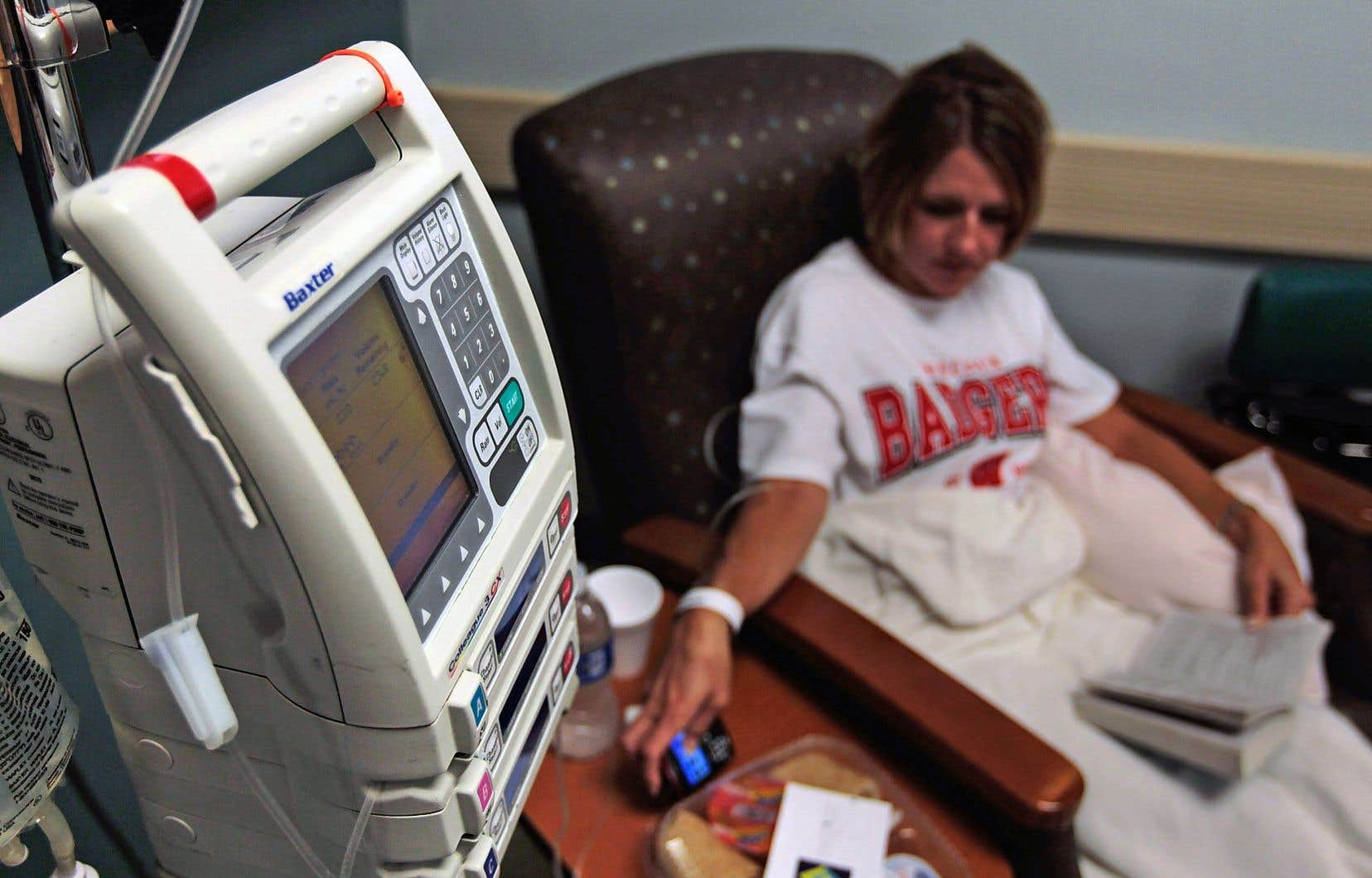 La majorité des patients souffrant du cancer du sein et du cancer du poumon pourrait éviter nausées, perte de cheveux et autres maux provoqués par la très toxique chimiothérapie.