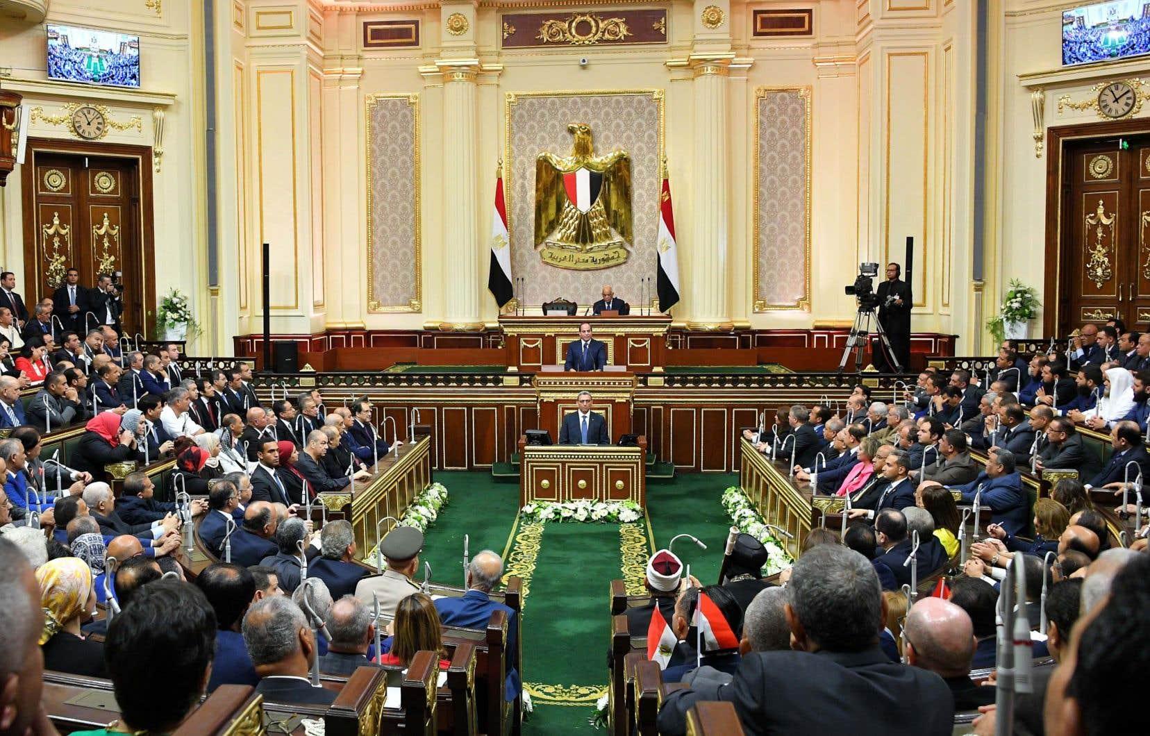 Le régime d'Abdel Fattah al-Sissi est régulièrement accusé par les défenseurs des droits de la personne de violer les libertés publiques et de museler la presse comme les opposants.