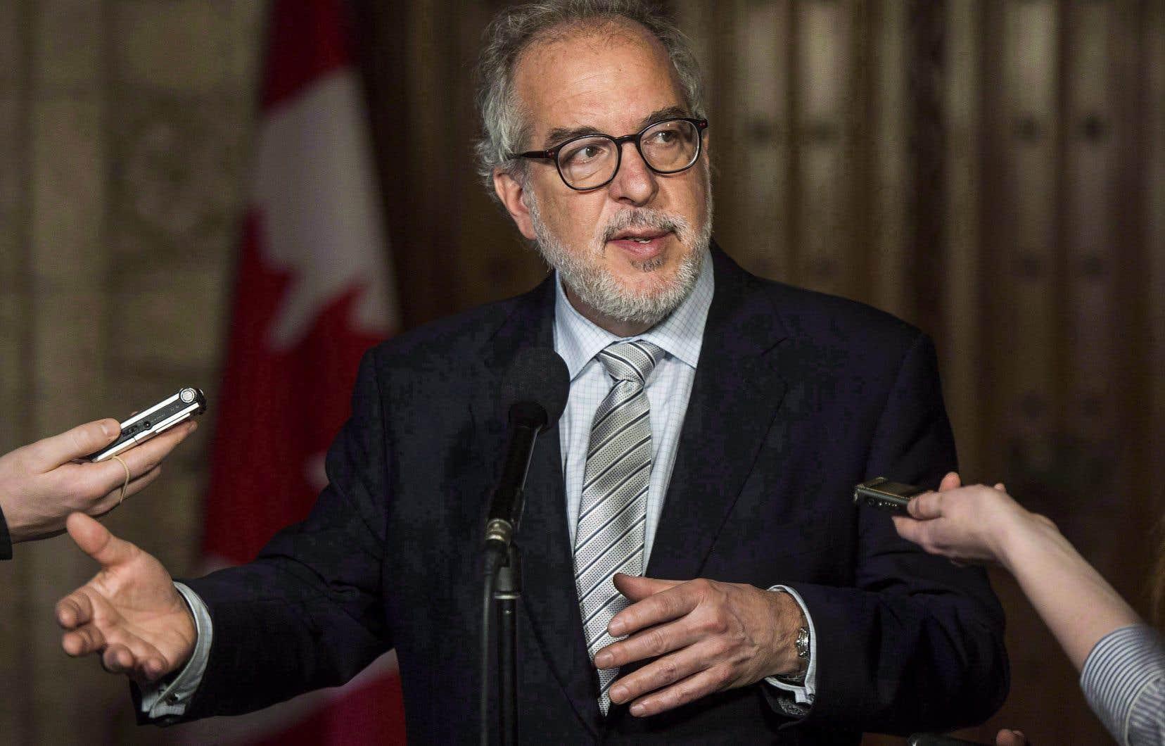 Le chef intérimaire de Québec debout, Rhéal Fortin, affirme que les orientations que Martine Ouellet a données au Bloc québécois demeurent. Et sa nouvelle formation n'en veut pas.