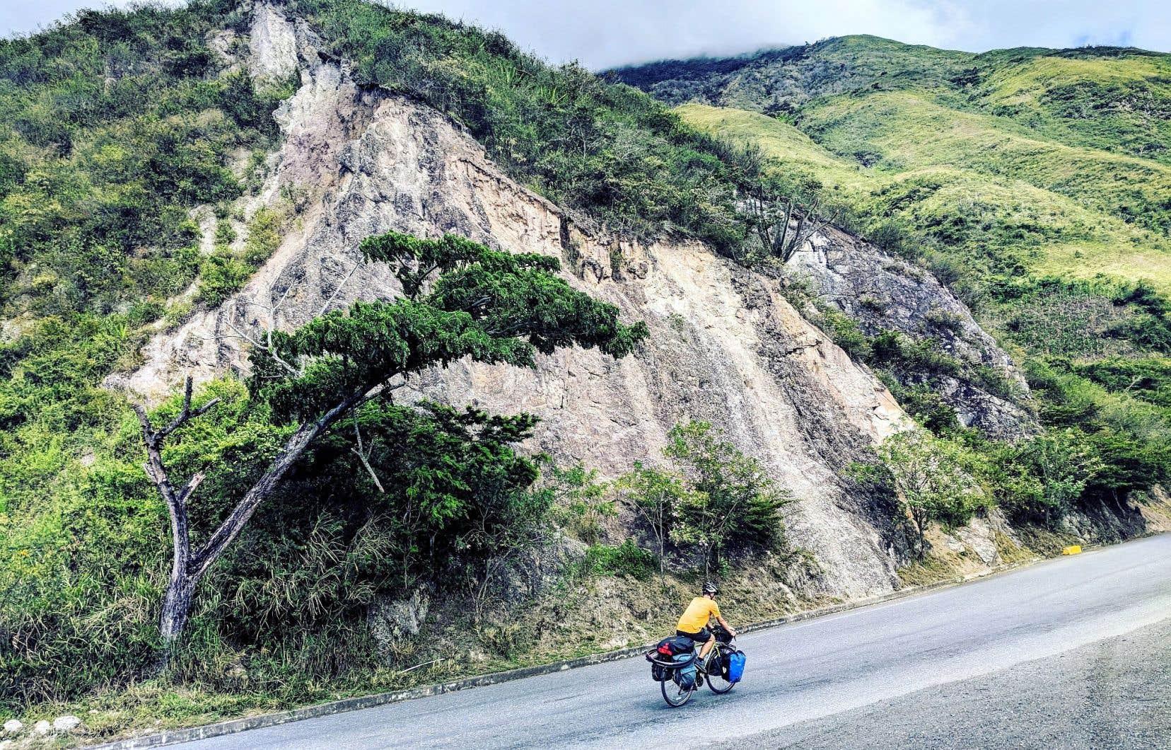 Depuis leur départ, Julien Croteau-Dufour et Valentina Côté ont franchi plus de 10000 kilomètres et traversé une dizaine de pays. Ci-dessus: en Colombie.
