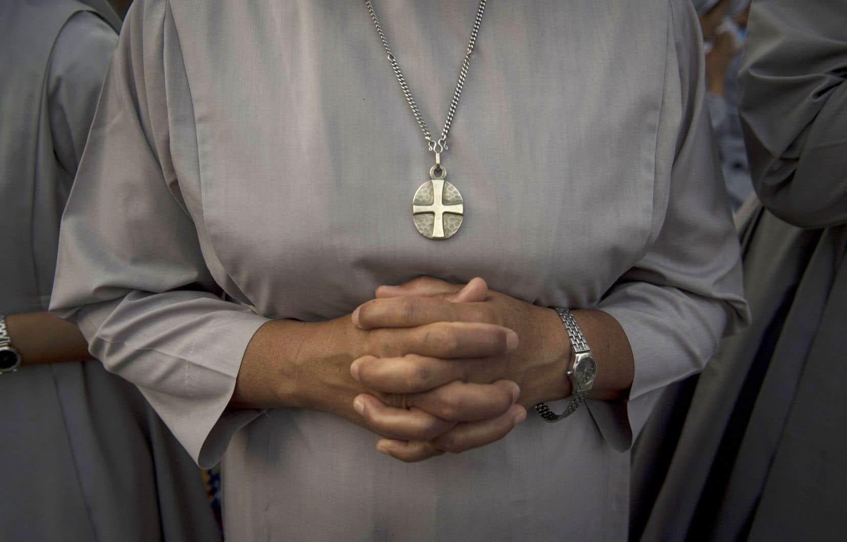 «Les arguments sont connus: le Christ aurait pu choisir des femmes comme apôtres. Il n'a choisi que des hommes. Cette tradition de l'Église est immémoriale et ferme.»