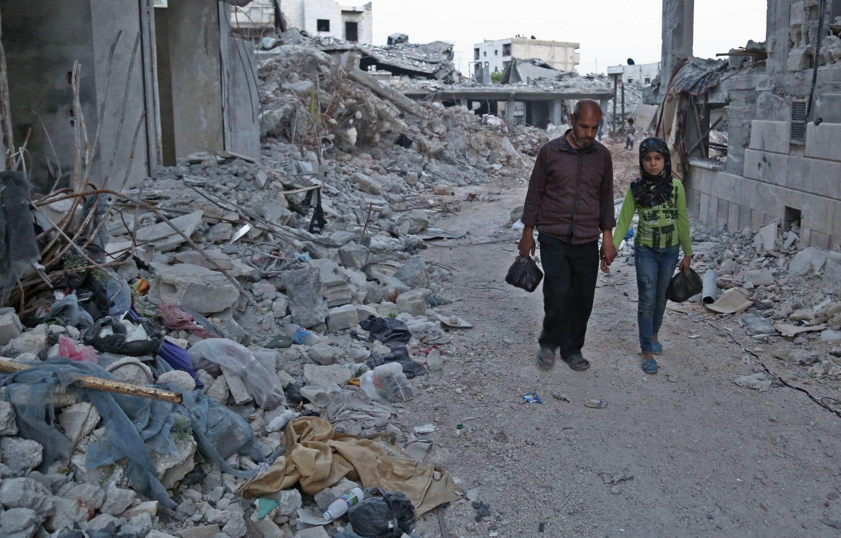 Au total, 6,2millions de Syriens ont quitté leur foyer à l'intérieur du pays, et quelque 5,6millions sont toujours réfugiés dans les pays voisins, selon des chiffres de l'ONU.