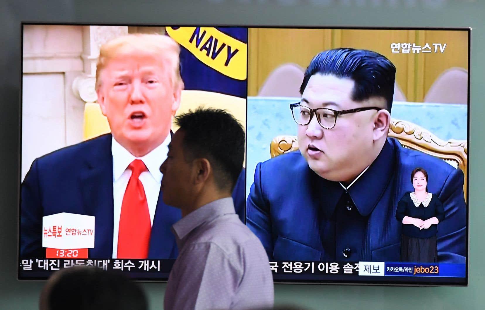 Donald Trump et Kim Jong-un prévoient d'abord discuter seuls avec leur interprète pendant environ une heure.