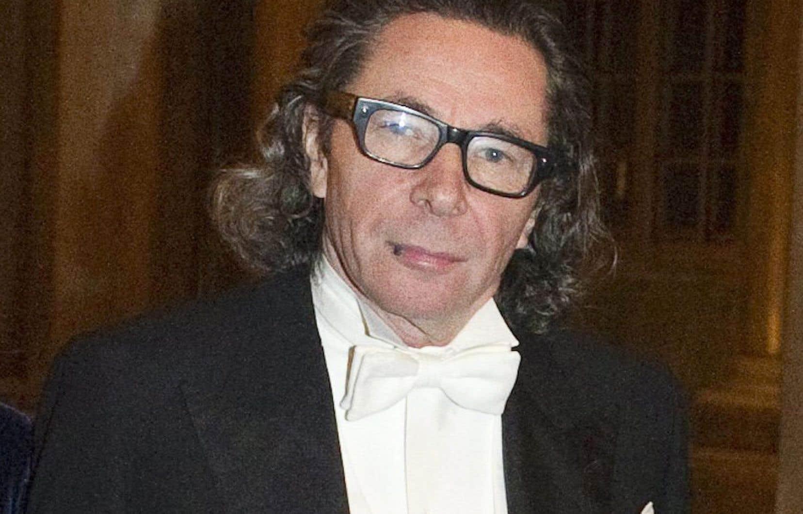 Jean-Claude Arnault est un personnage culturel important en Suède et le mari de la poète Katarina Frostenson.
