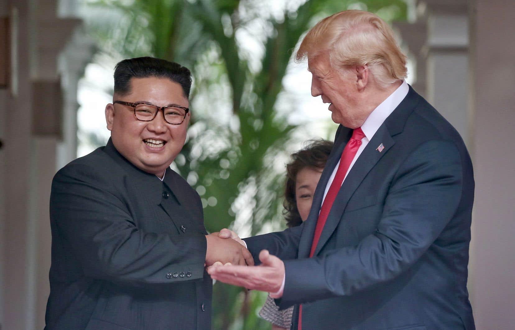Après des semaines de tergiversation, les dirigeants américain et nord-coréen se sont bel et bien rencontrés, mardi, à Singapour.
