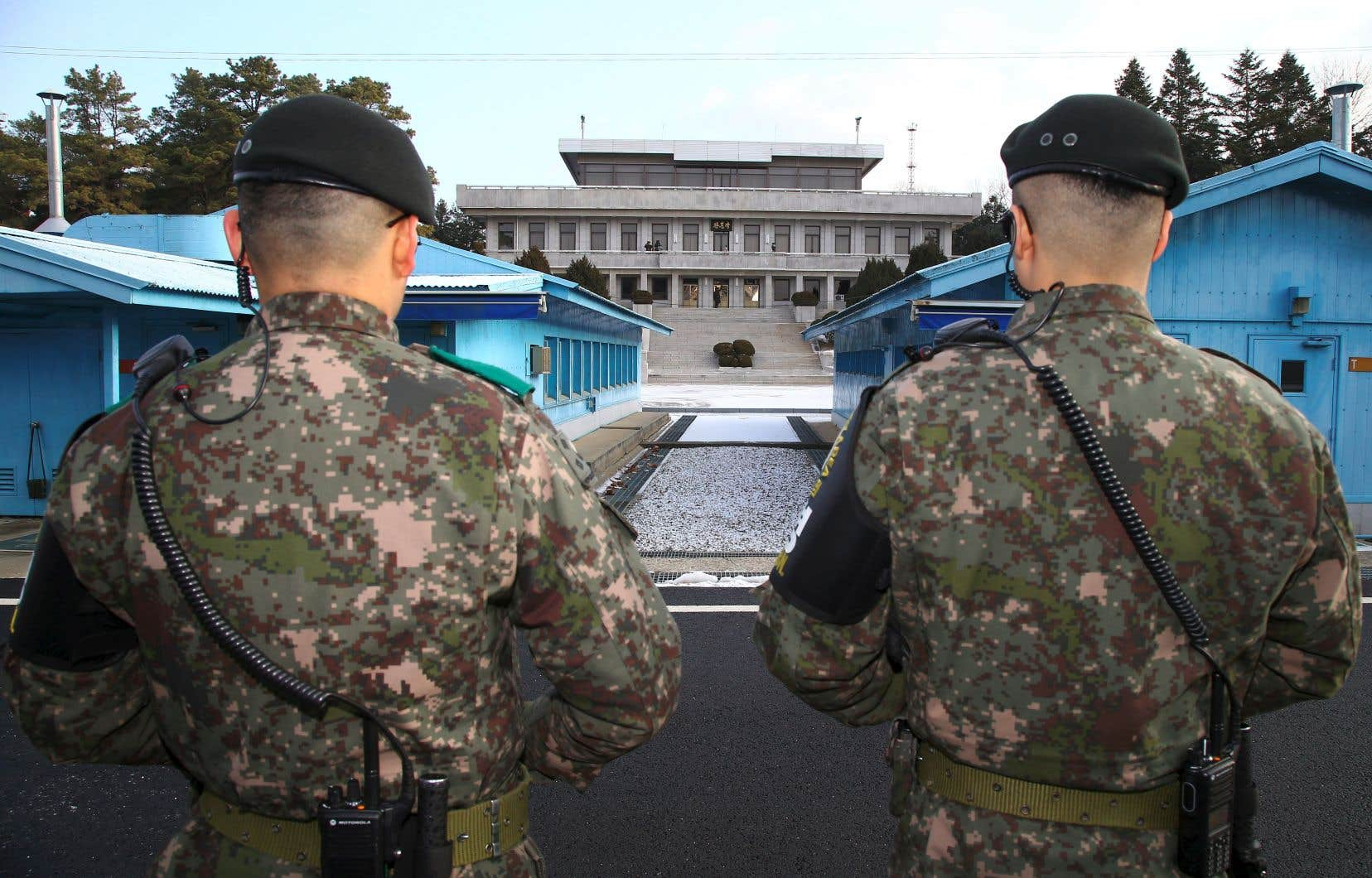 Des soldats sud-coréens à la frontière entre les deux Corées.