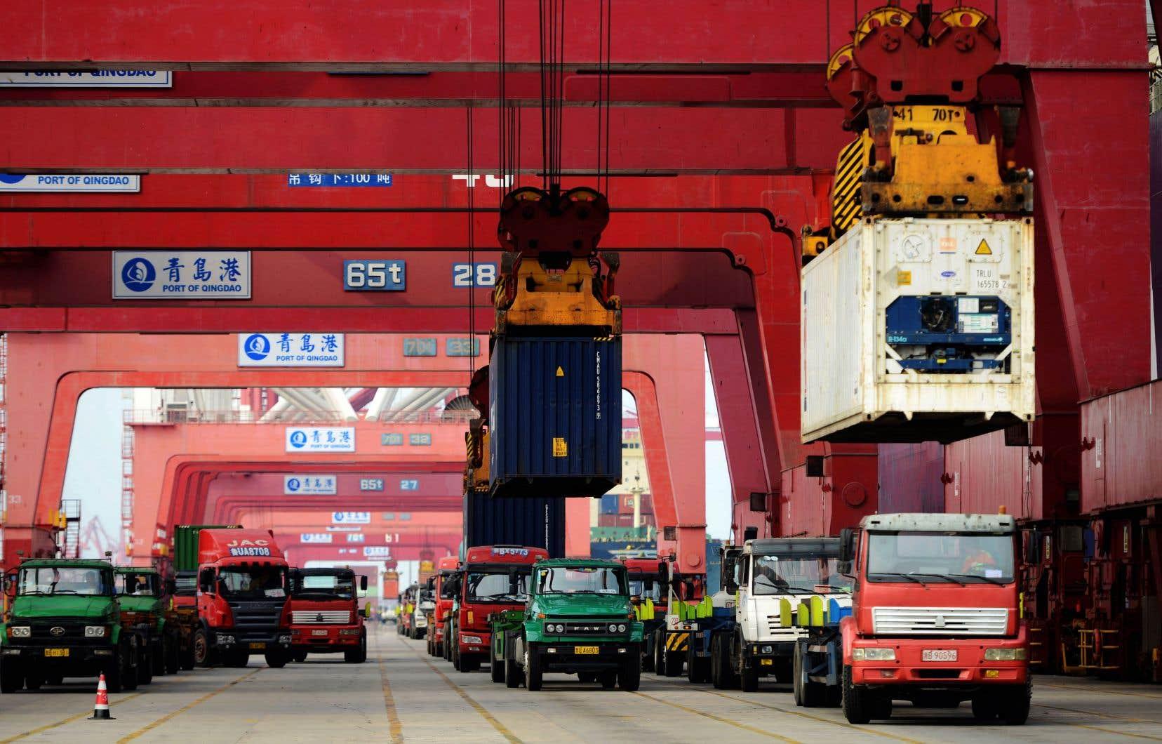 Le développement des relations commerciales avec la Chine s'est traduit par un creusement du déficit commercial des États-Unis.