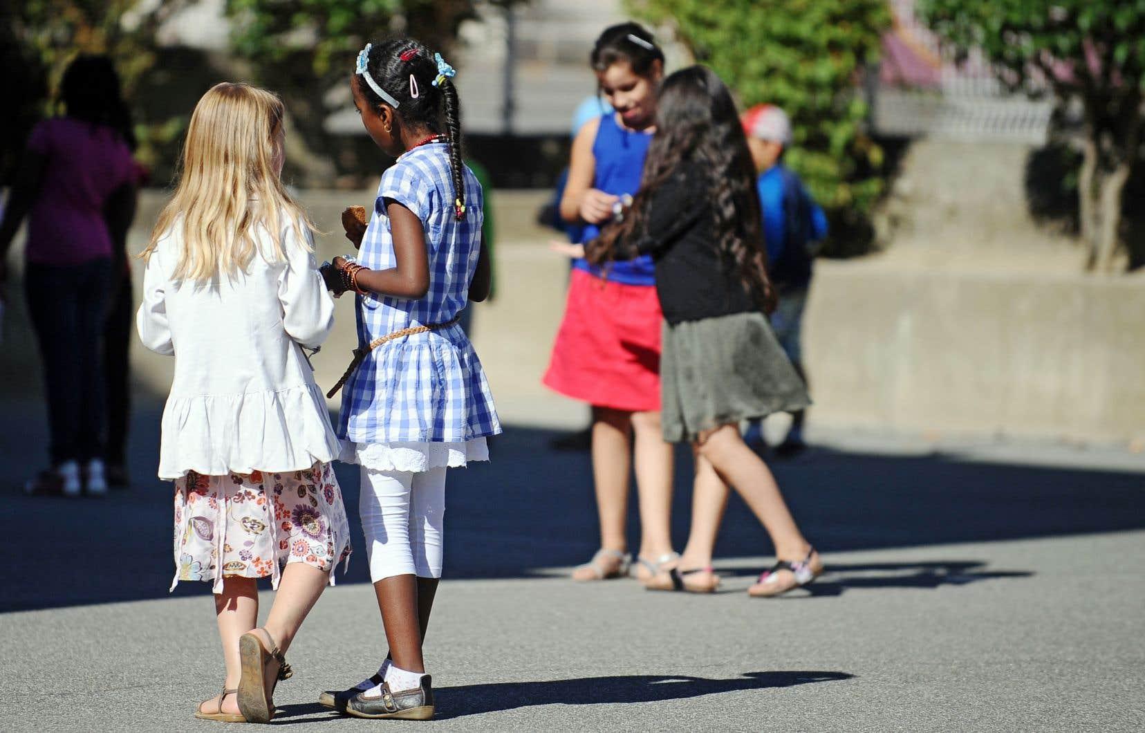 Les écoles ont recours au plan de lutte contre l'intimidation et la violence pour traiter les cas de violence sexuelle. Mais ce n'est pas suffisant, plaidait récemment une coalition.