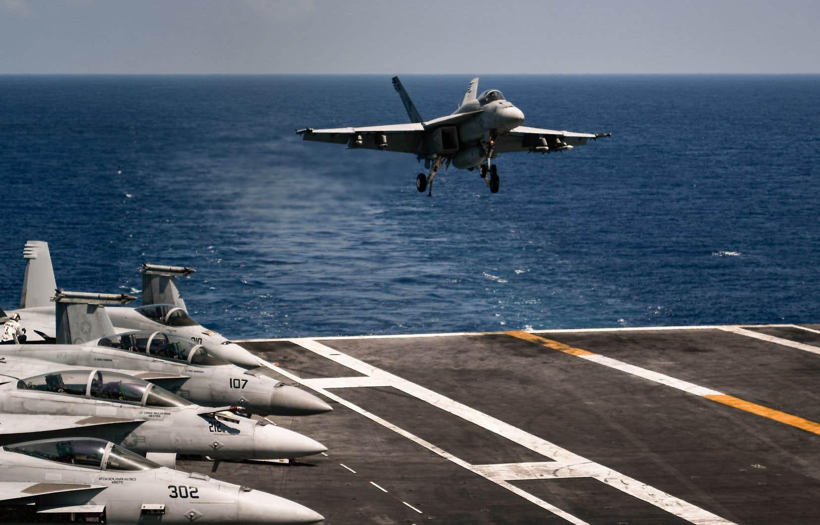En février, la coalition dirigée par les États-Unis avait mené des frappes aériennes dans la province de Deir Ezzor qui ont tué au moins 100 combattants pro-gouvernementaux.