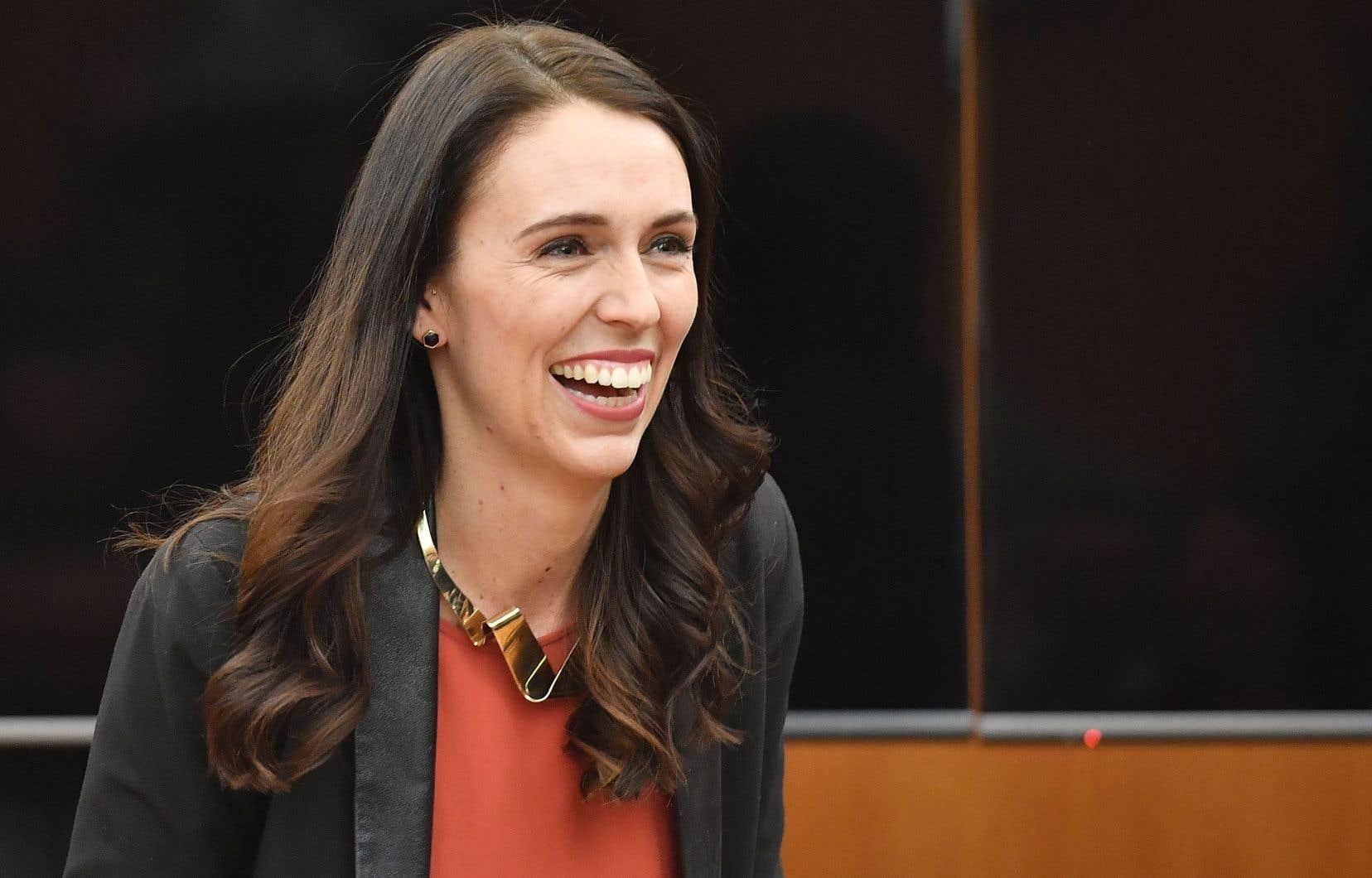 La première ministre néo-zélandaise Jacinda Ardern a donné naissance jeudi à une petite fille.