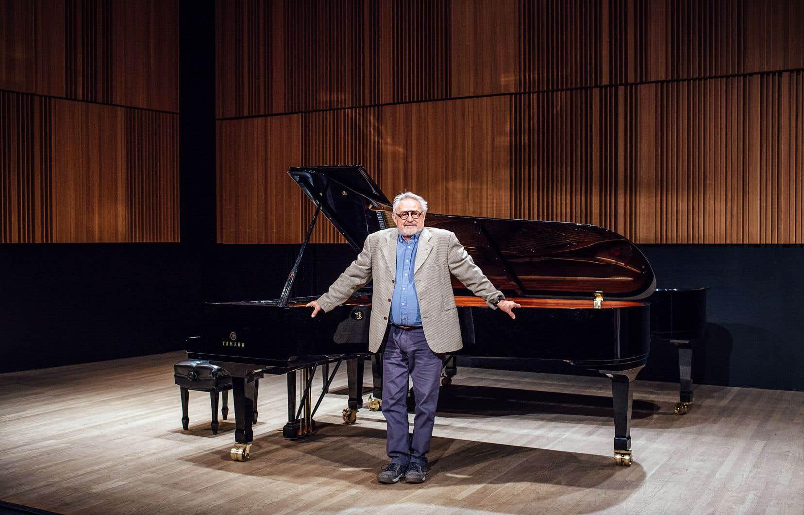 Bruno Laplante a toujours mis des compositeurs québécois à son répertoire: «J'ai fait le tour du monde, chantant dans 40 pays. Je n'avais pas d'éditions disponibles, mais partout je chantais deux mélodies de Calixa Lavallée, le cycle Éluard de Clermont Pépin et quelques mélodies drôles de Lionel Daunais.»