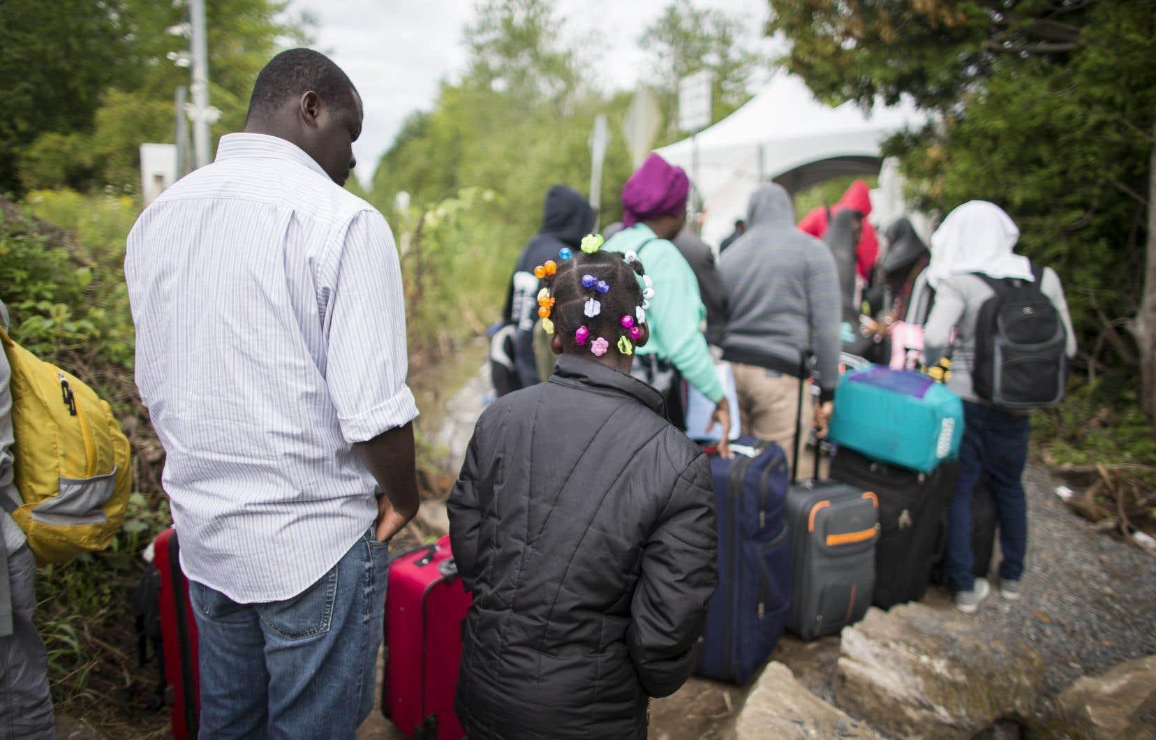 Selon nos informations, les personnes immigrantes se qualifiant pour cette détention hors les murs seraient prises en charge par un intervenant d'un organisme.