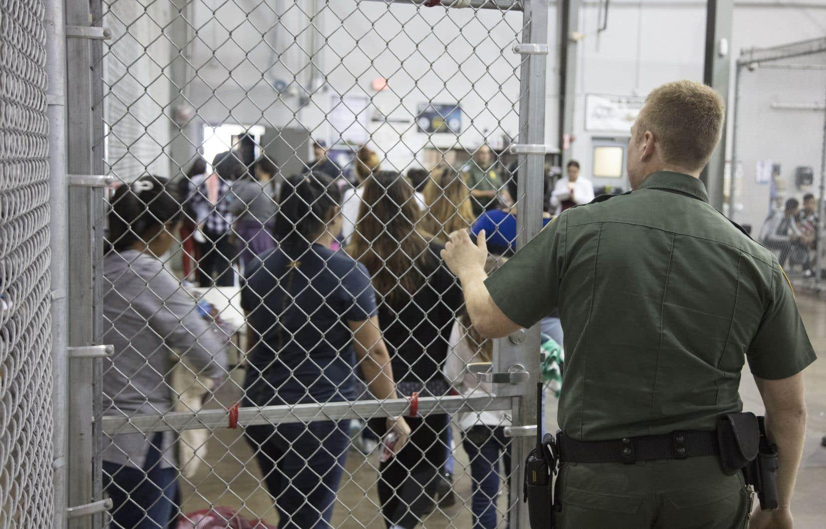 Selon le docteur Gilles Julien, les États-Unis ont fait vivre à ces enfants séparés de leurs parents une torture émotive d'une puissance sans nom.