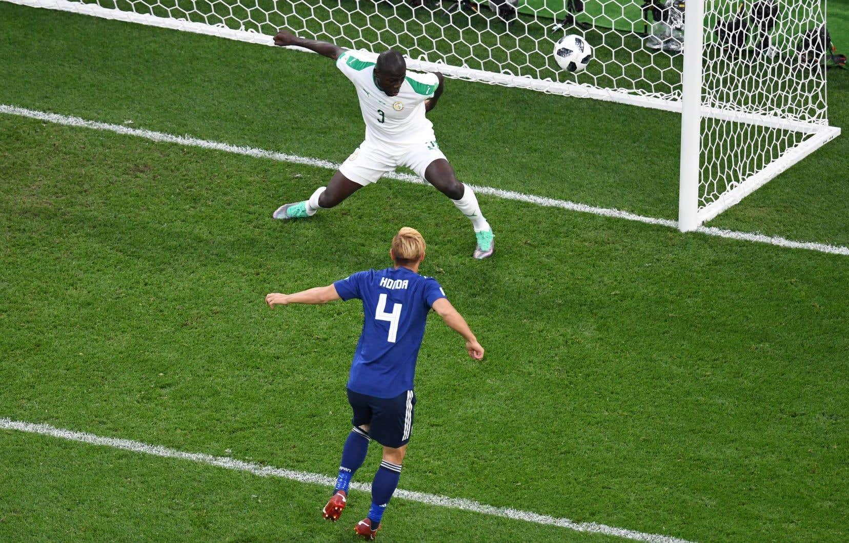 Le milieu japonais Keisuke Honda a égalisé la marque à la 78e minute.