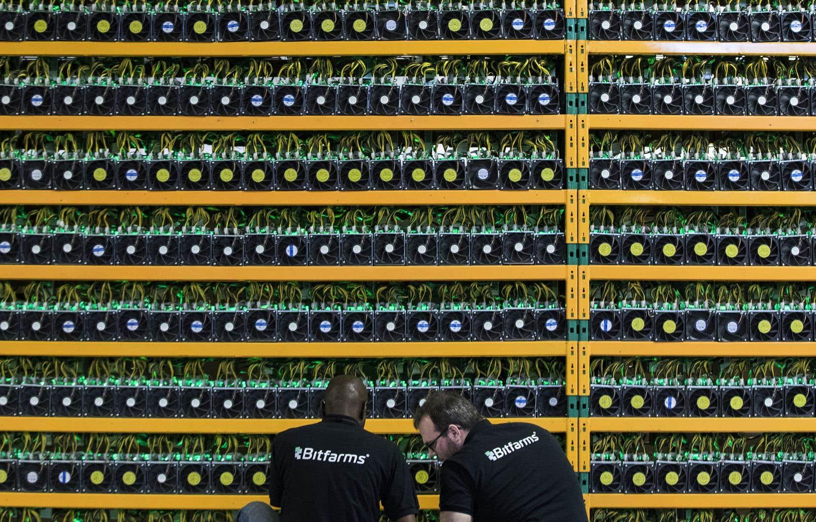 La société d'État dit qu'environ 300 requêtes lui ont été acheminées, ce qui représente une demande d'environ 18000 mégawatts, soit plus de 40% de sa capacité de production.