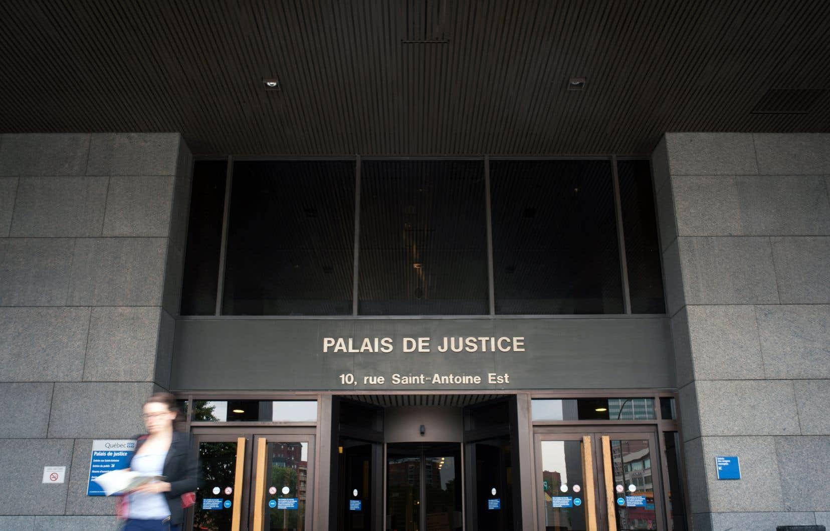 Le Directeur des poursuites criminelles et pénales a abandonné l'idée de poursuivre les auteurs des déversements faute d'une preuve pouvant résister en cour.