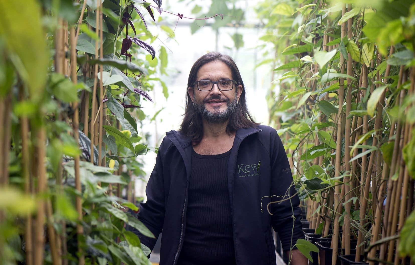 Carlos Magdalena, sorte d'Indiana Jones des arbres et des herbes en voie d'extinction