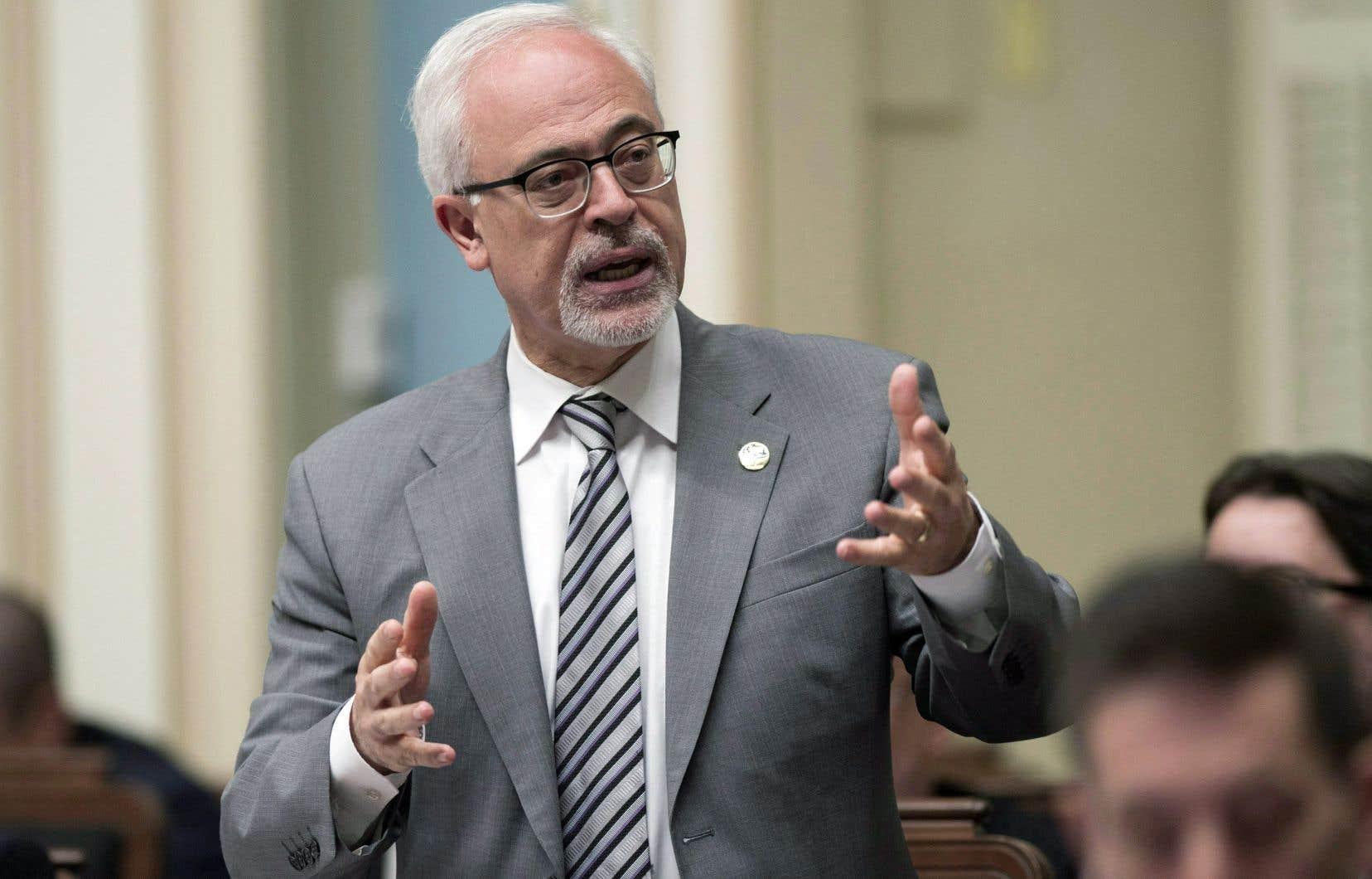 Québec rappelle qu'il investira 1,28 des 6,3 milliards que requiert le REM.