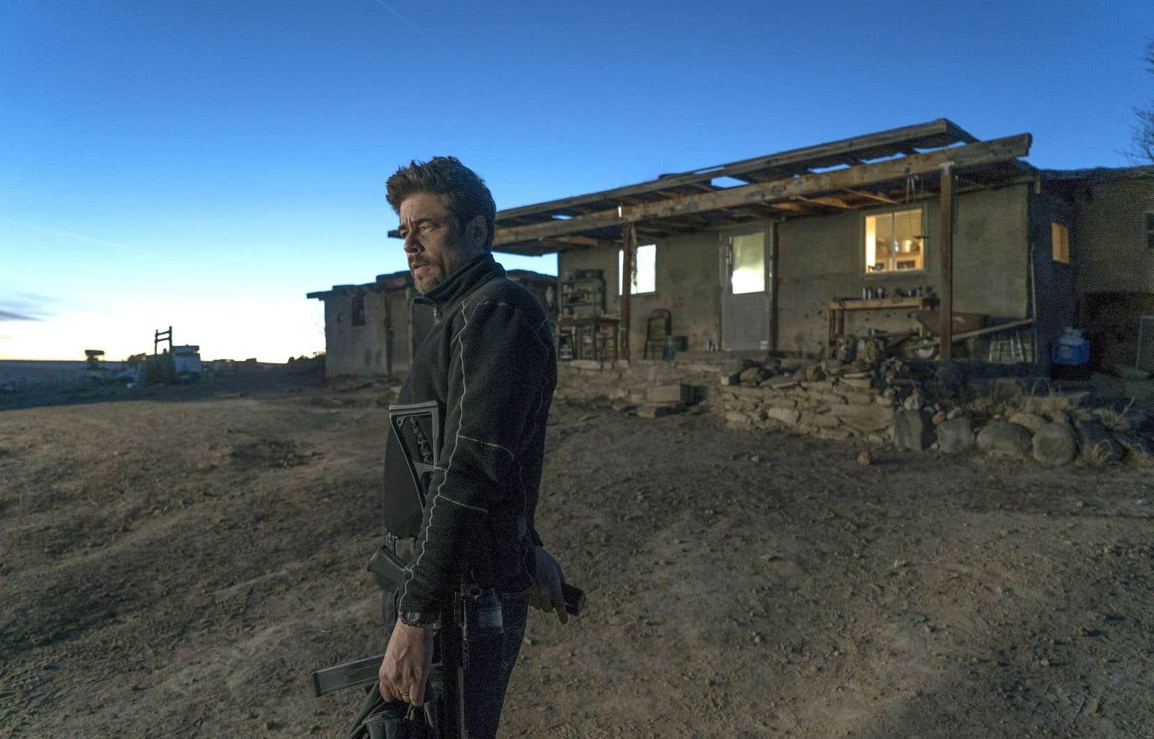 Le scénariste Taylor Sheridan centre l'action du film sur le tandem que forment l'imposant Josh Brolin et l'impeccable Benicio Del Toro (sur la photo).