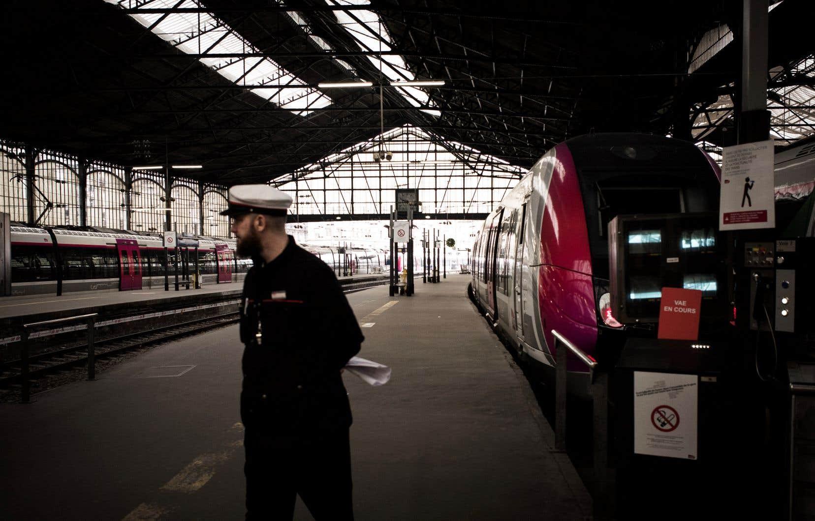 En 2007, le Conseil d'État français se déclare incompétent pour se prononcer sur la responsabilité de la compagnie ferroviaire SNCF dans la déportation des juifs pendant la Seconde Guerre mondiale.