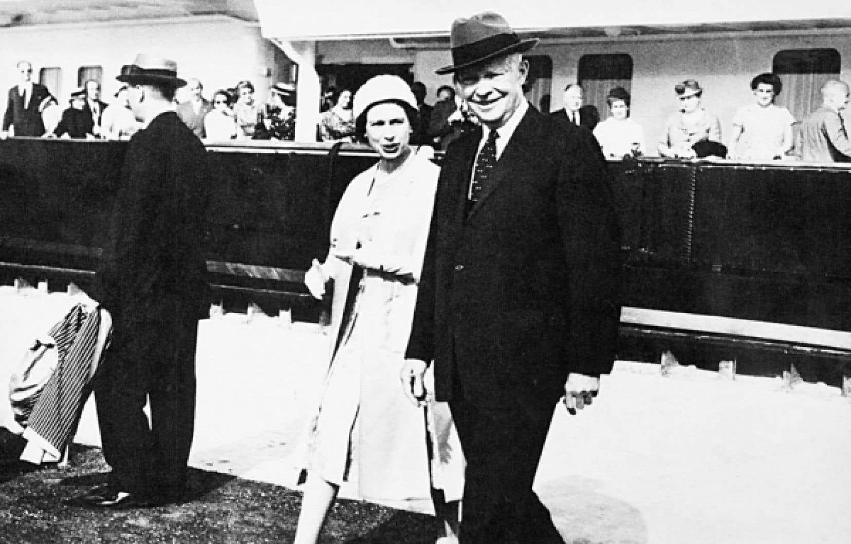 La Voie maritime du Saint-Laurent, une entreprise canado-américaine, fut officiellement inaugurée par la reine Élisabeth II et le président Dwight Eisenhower, le 26 juin 1959.