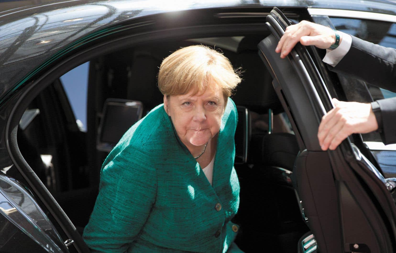 Jeudi, à Bruxelles, Angela Merkel a assisté, avec d'autres chefs d'État, à un sommet de l'Union européenne pour discuter de la crise migratoire.