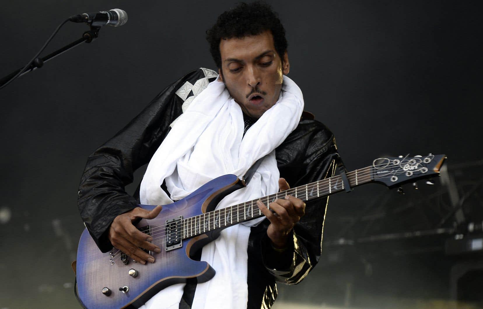 Omara Moctar, plus connu sous son nom de scène Bombino, a érigé, avec le groupe Tinariwen, le blues touareg en un genre musical à part entière.