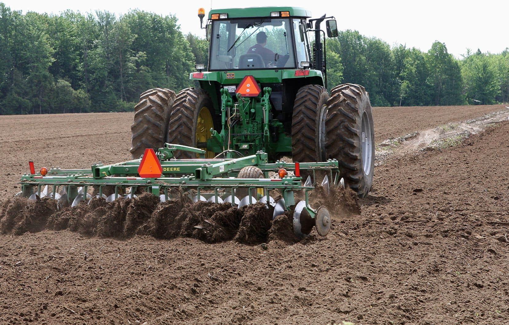 L'UPA estime que sur le territoire de la Communauté métropolitaine de Montréal, 1000 hectares sont ciblés pour des projets.